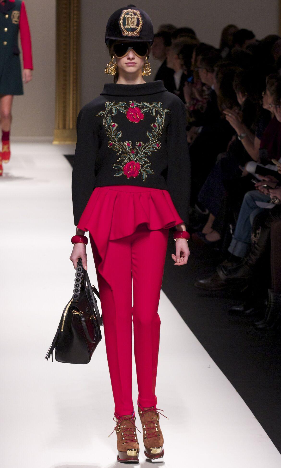 Moschino Fall Winter 2013 14 Women Collection Milan Fashion Week Fashion Show