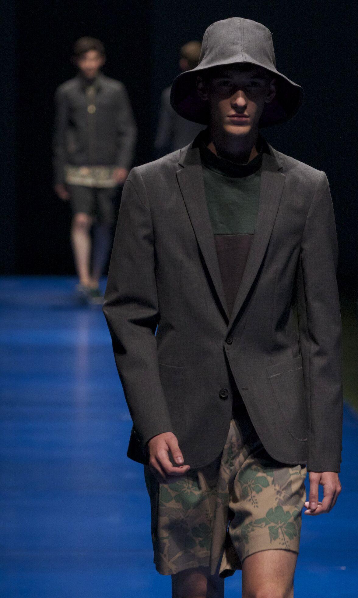 Fashion Man Model Kolor Catwalk