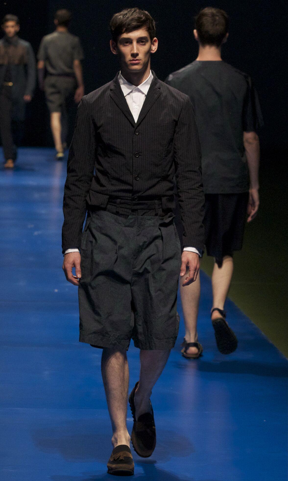 Fashion Model Kolor Catwalk