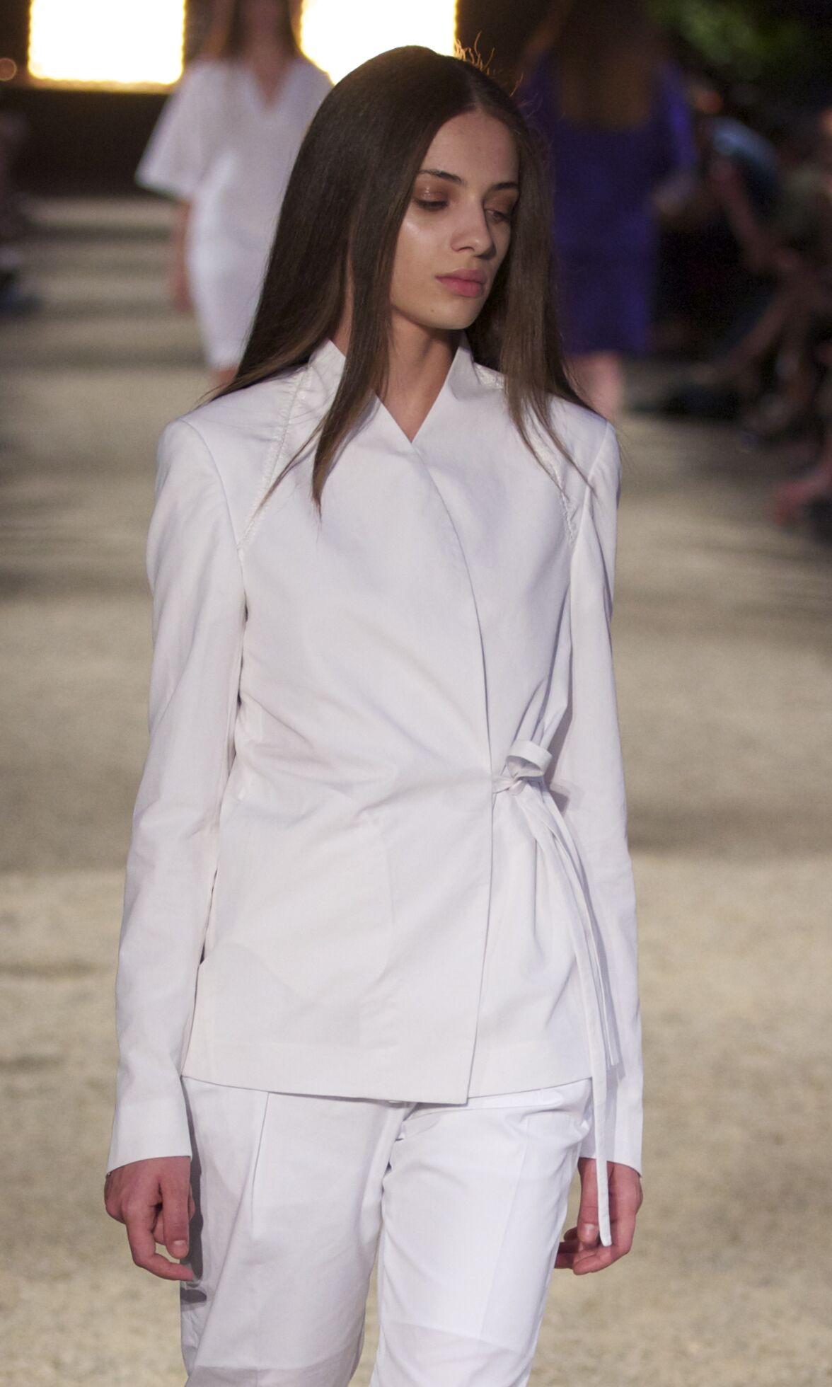 Spring 2014 Women Fashion Show Pitti