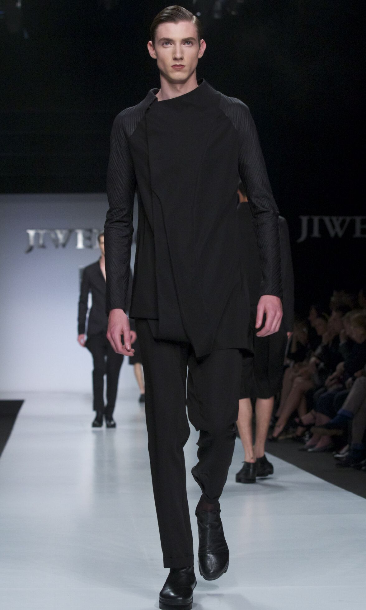 Catwalk Ji Wenbo Summer 2014