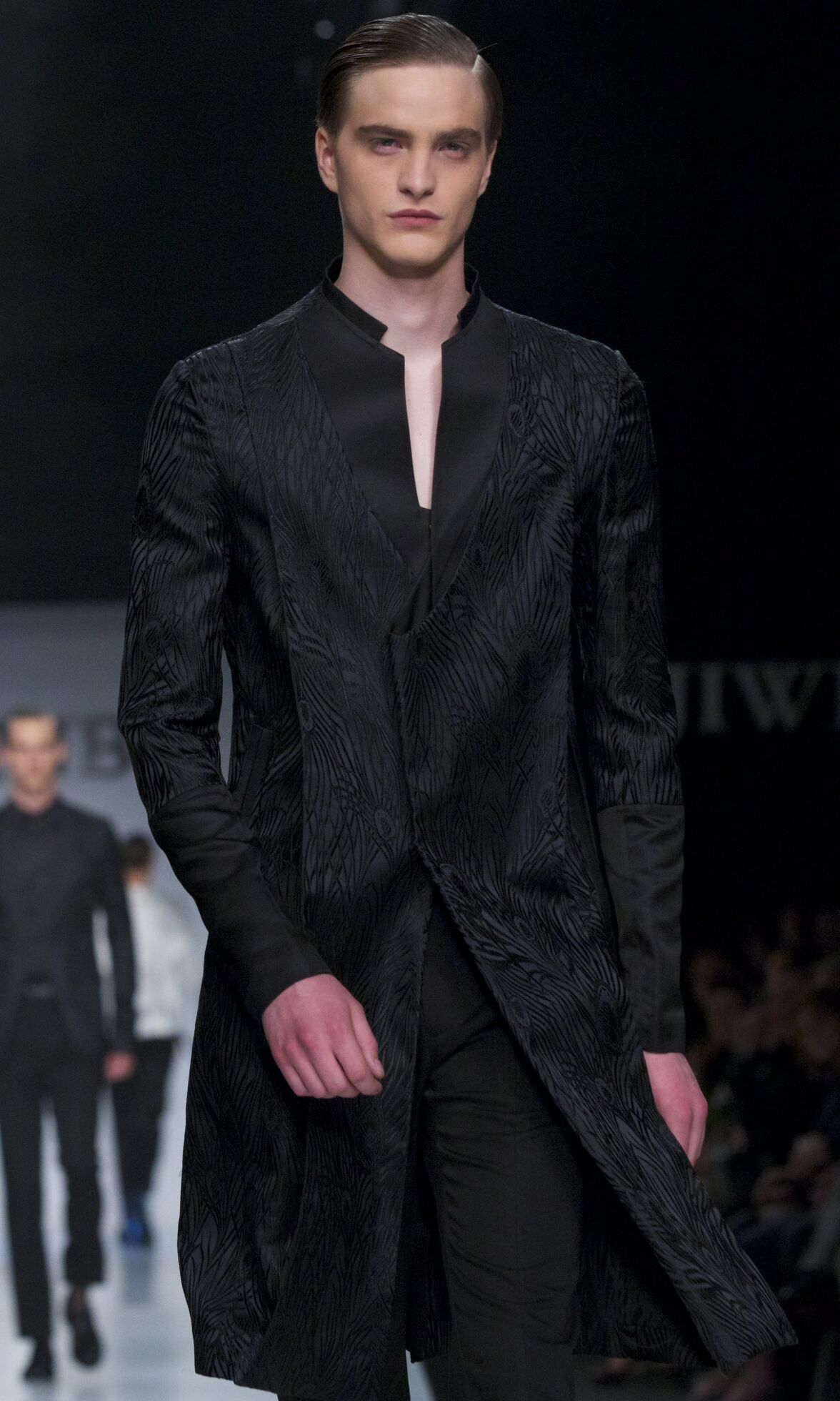 Ji Wenbo Summer 2014 Catwalk