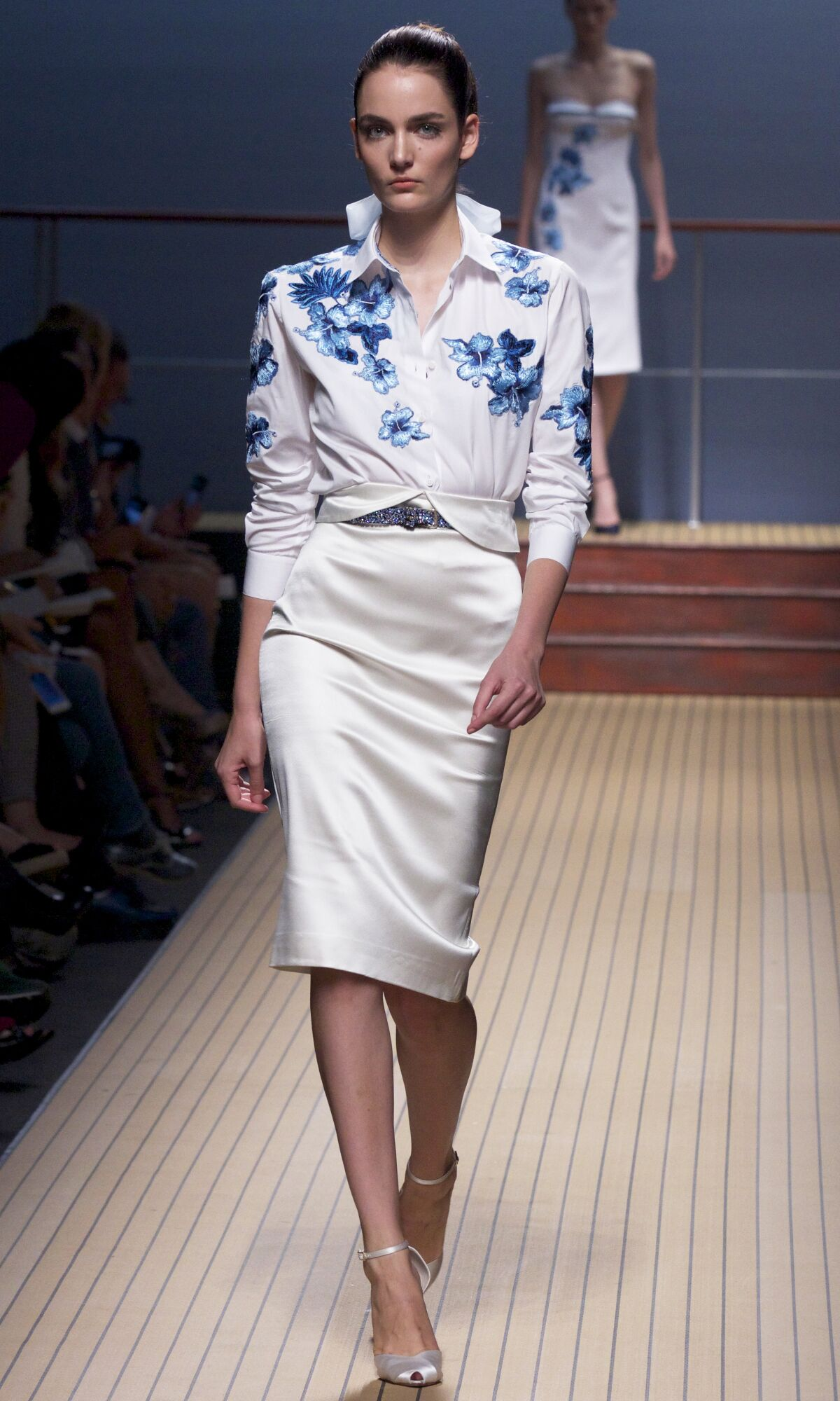 2014 Catwalk Ermanno Scervino Woman Fashion Show Summer