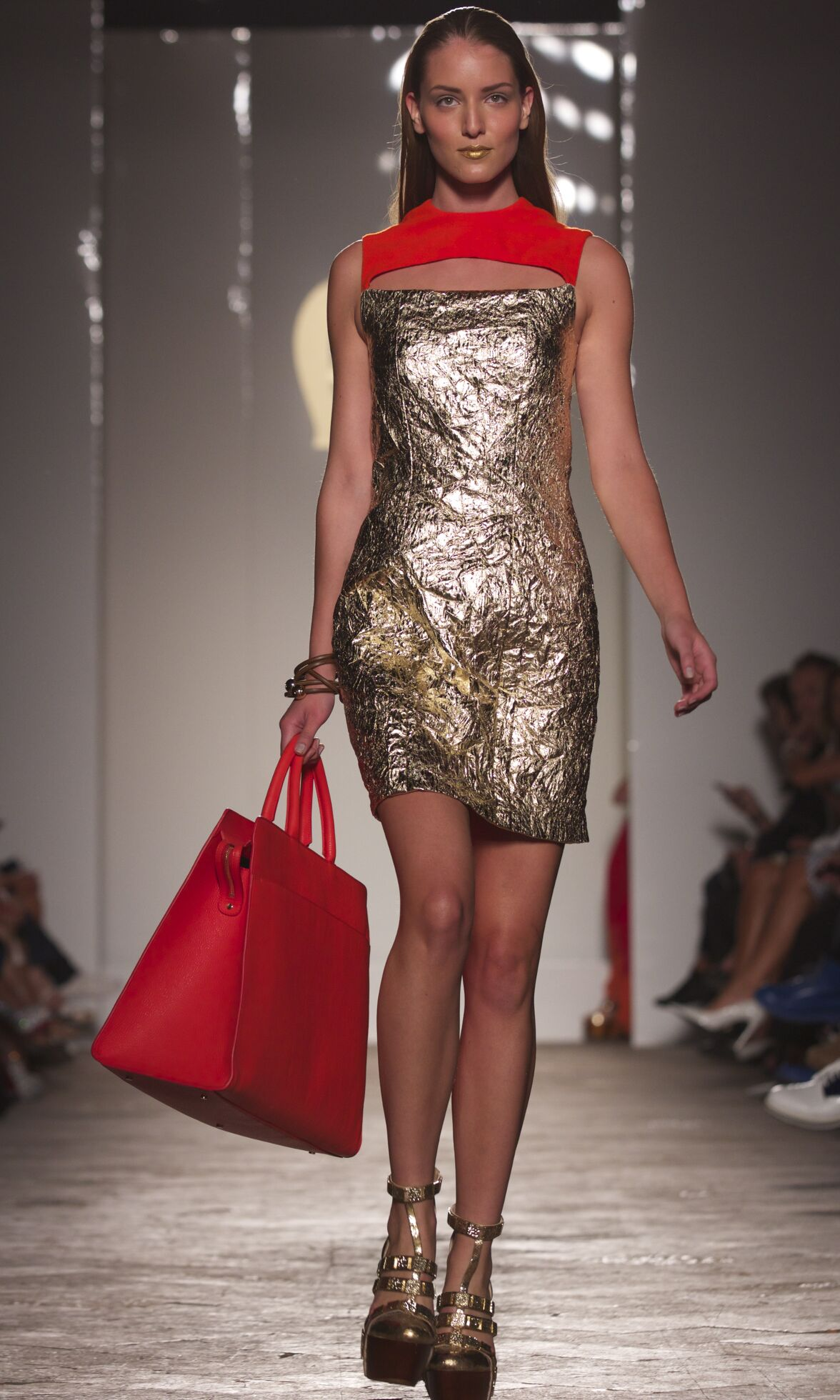 Catwalk Aigner Woman Fashion Show Summer 2014