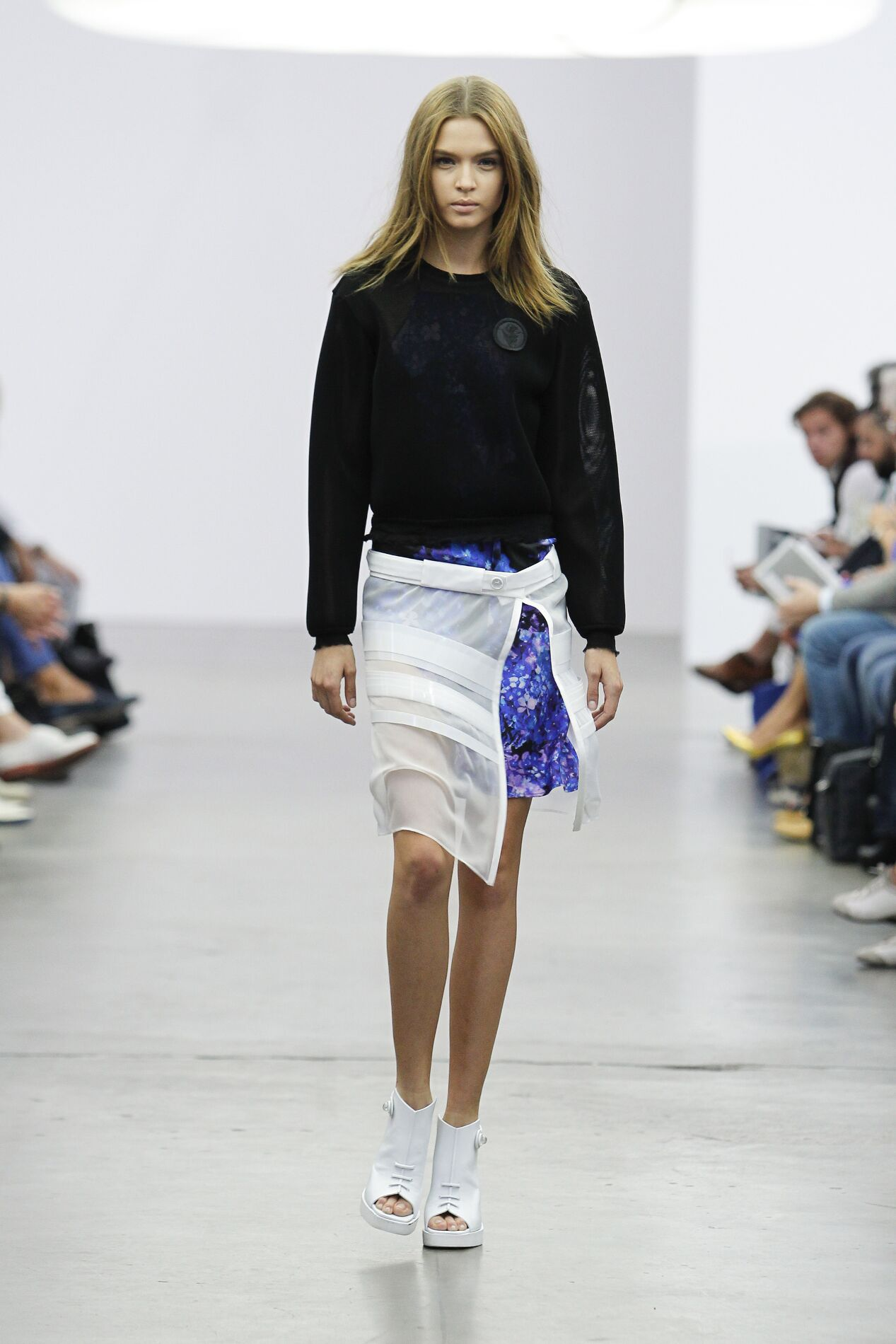 Catwalk Iceberg Woman Fashion Show Summer 2014
