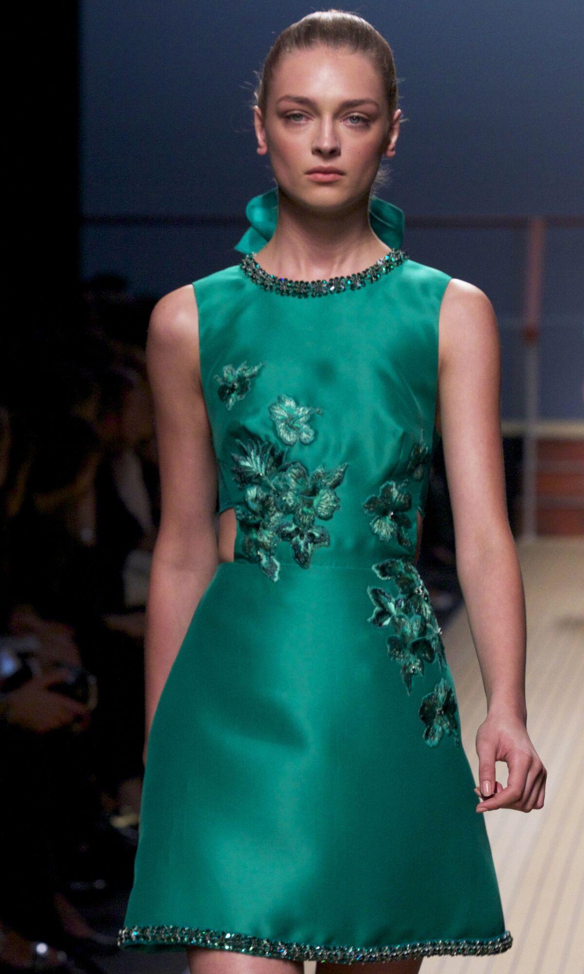 Fashion Woman Model Ermanno Scervino Catwalk