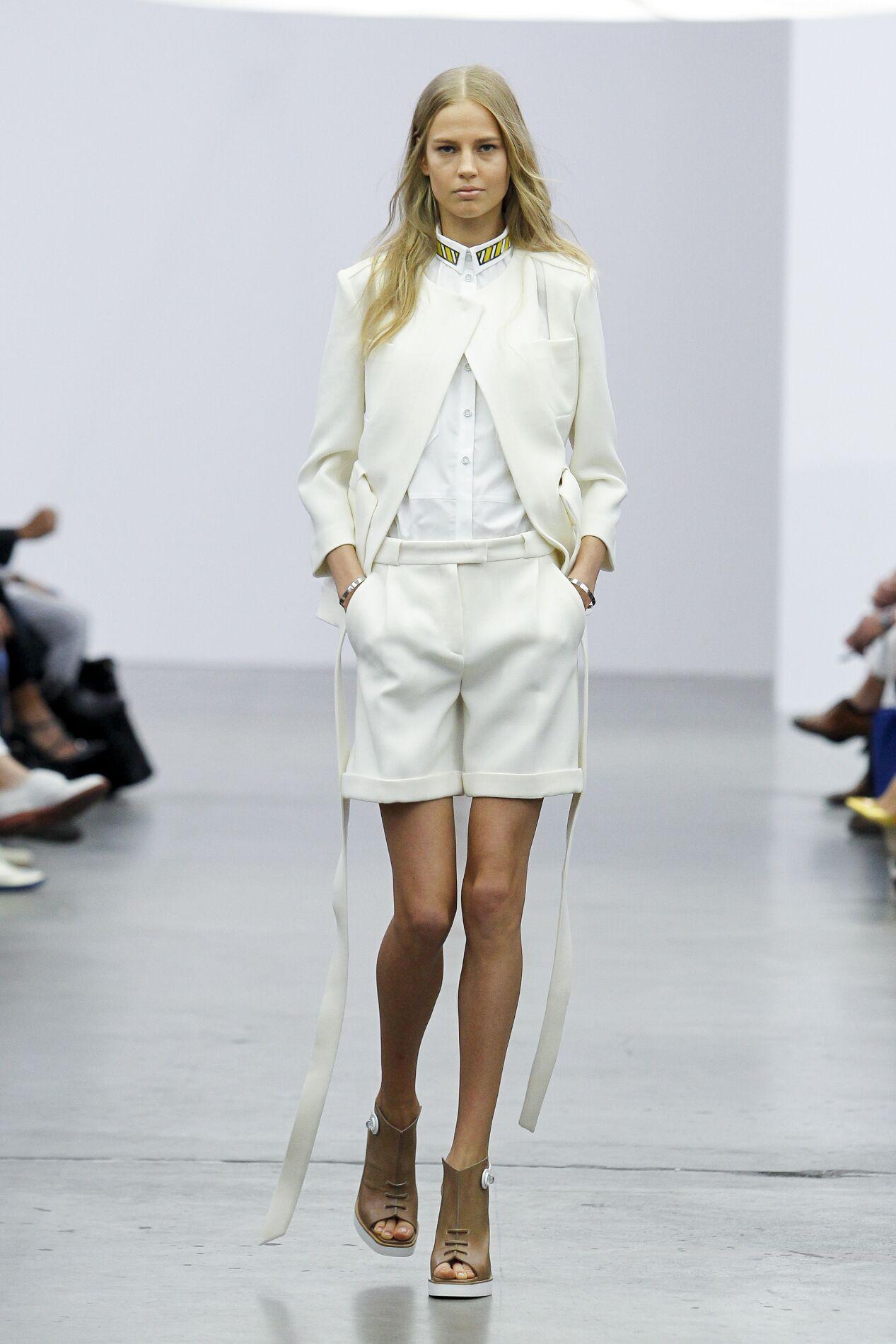 Iceberg Woman Milano Fashion Week