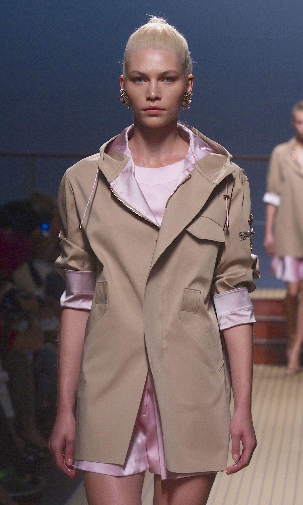 Spring 2014 Woman Fashion Show Ermanno Scervino