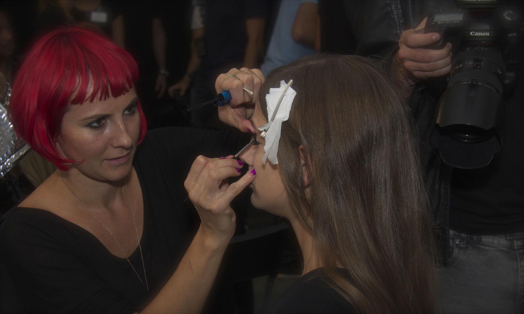 Backstage Fashion Show Make Up