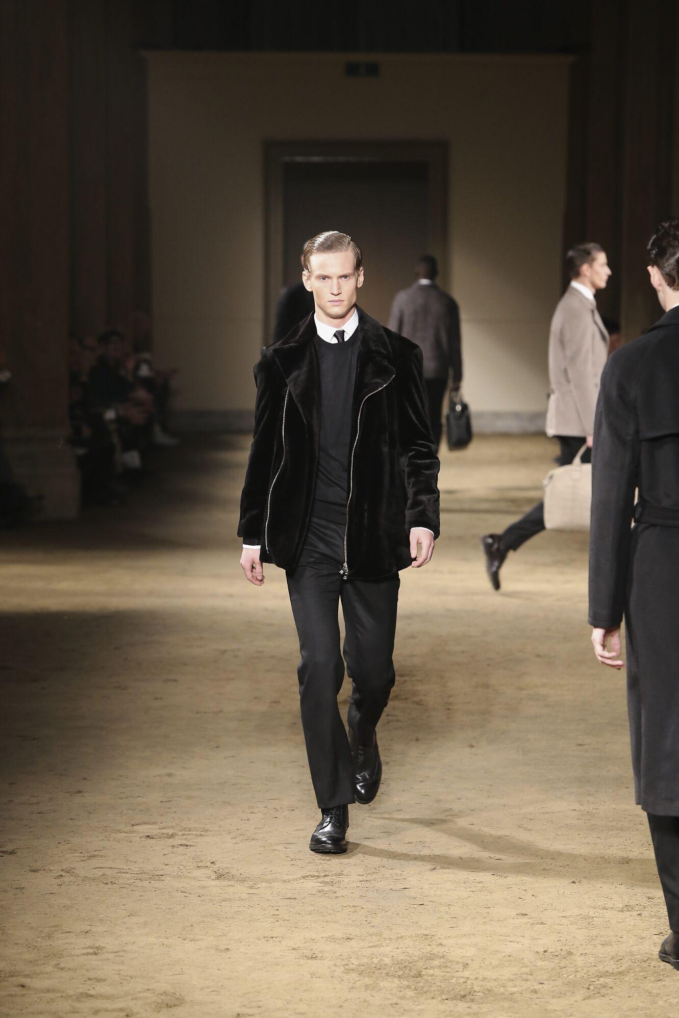 Runway Corneliani Fall Winter 2014 15 Men Collection Milano Fashion Week