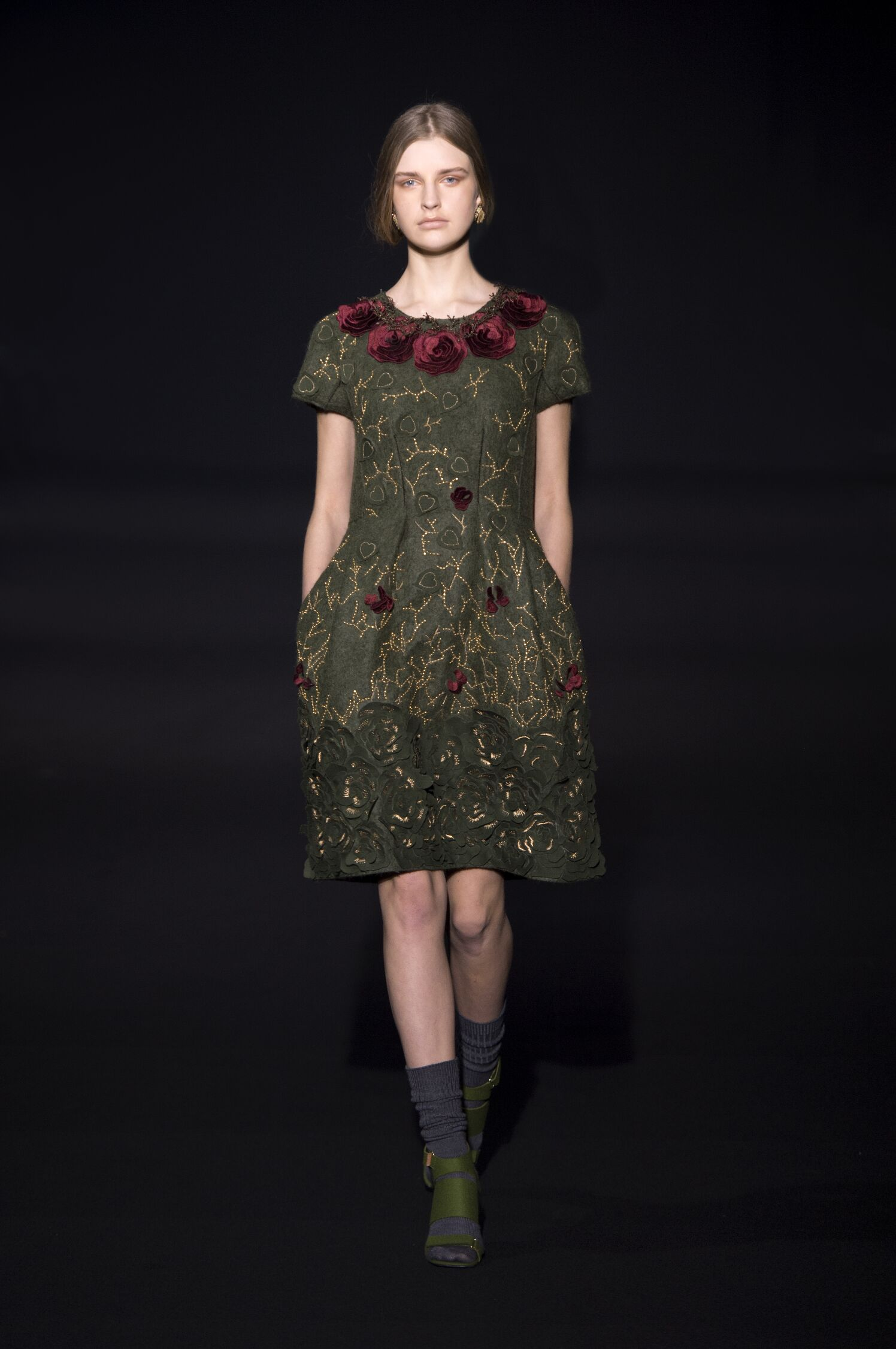 Runway Alberta Ferretti Fall Winter 2014 15 Women Collection Milan Fashion Week