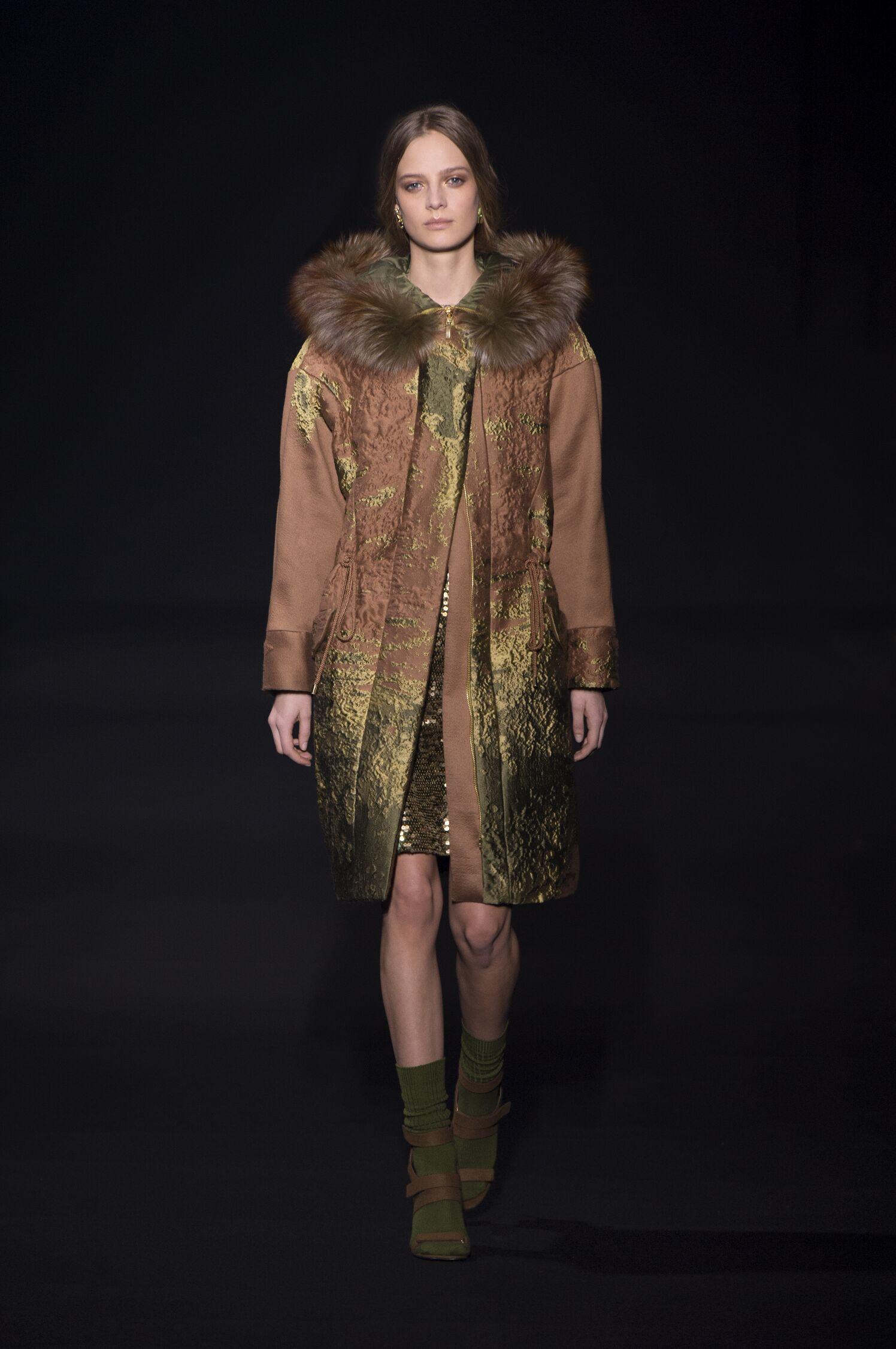 Winter 2014 Fashion Show Alberta Ferretti