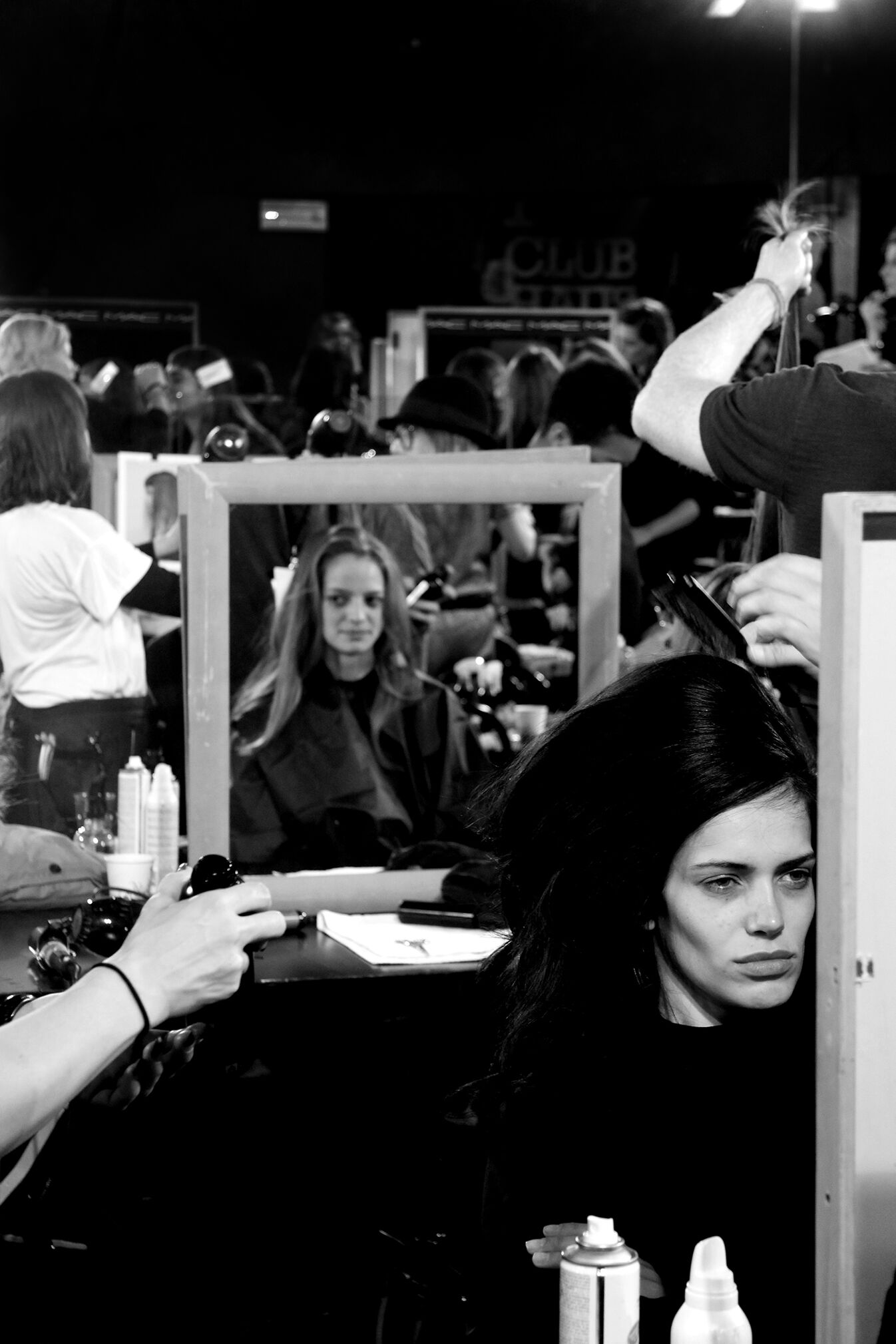 Backstage Dsquared2 Woman Model Hair Style