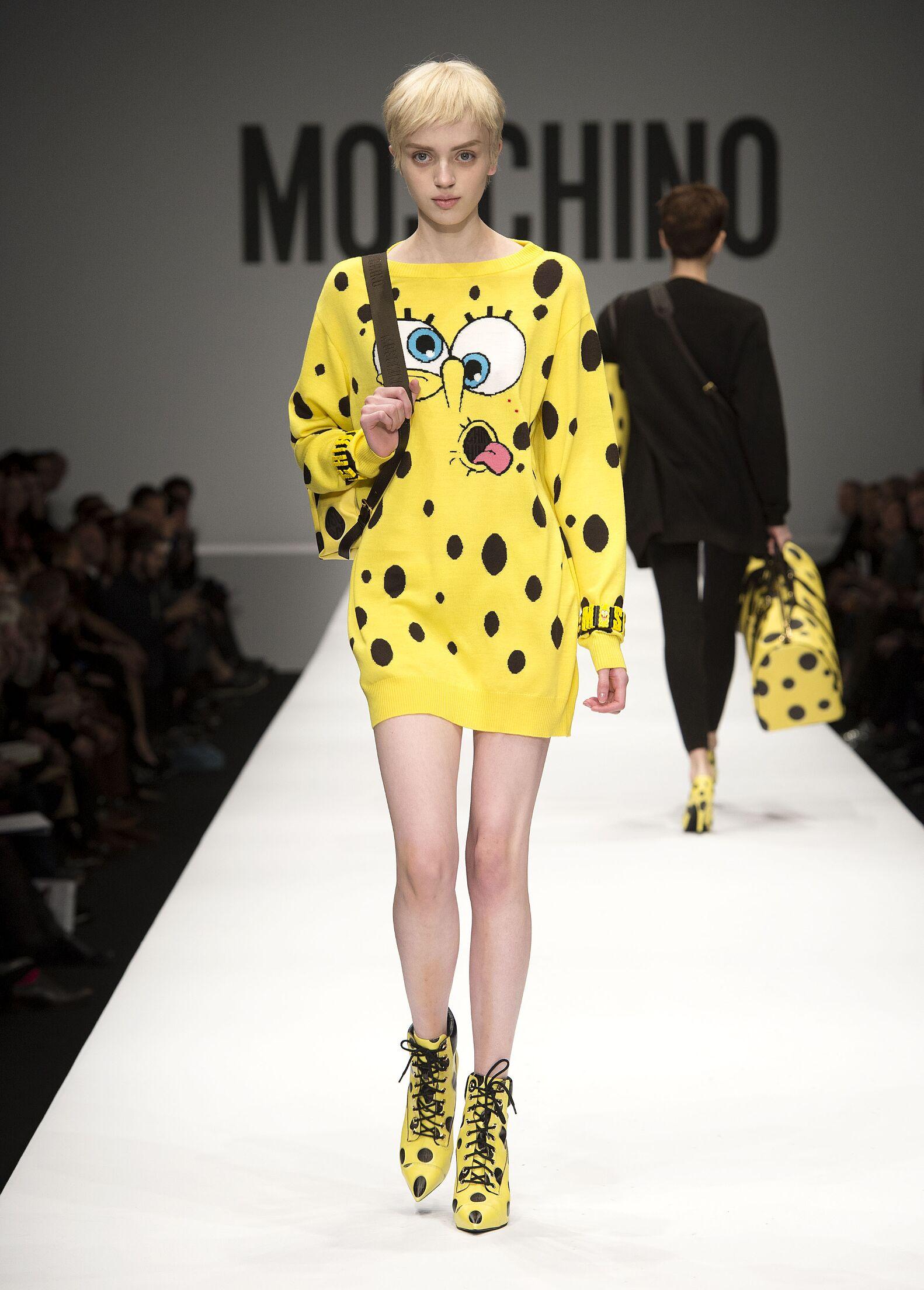 Catwalk Moschino Fall Winter 2014 15 Women Collection Milano Fashion Week