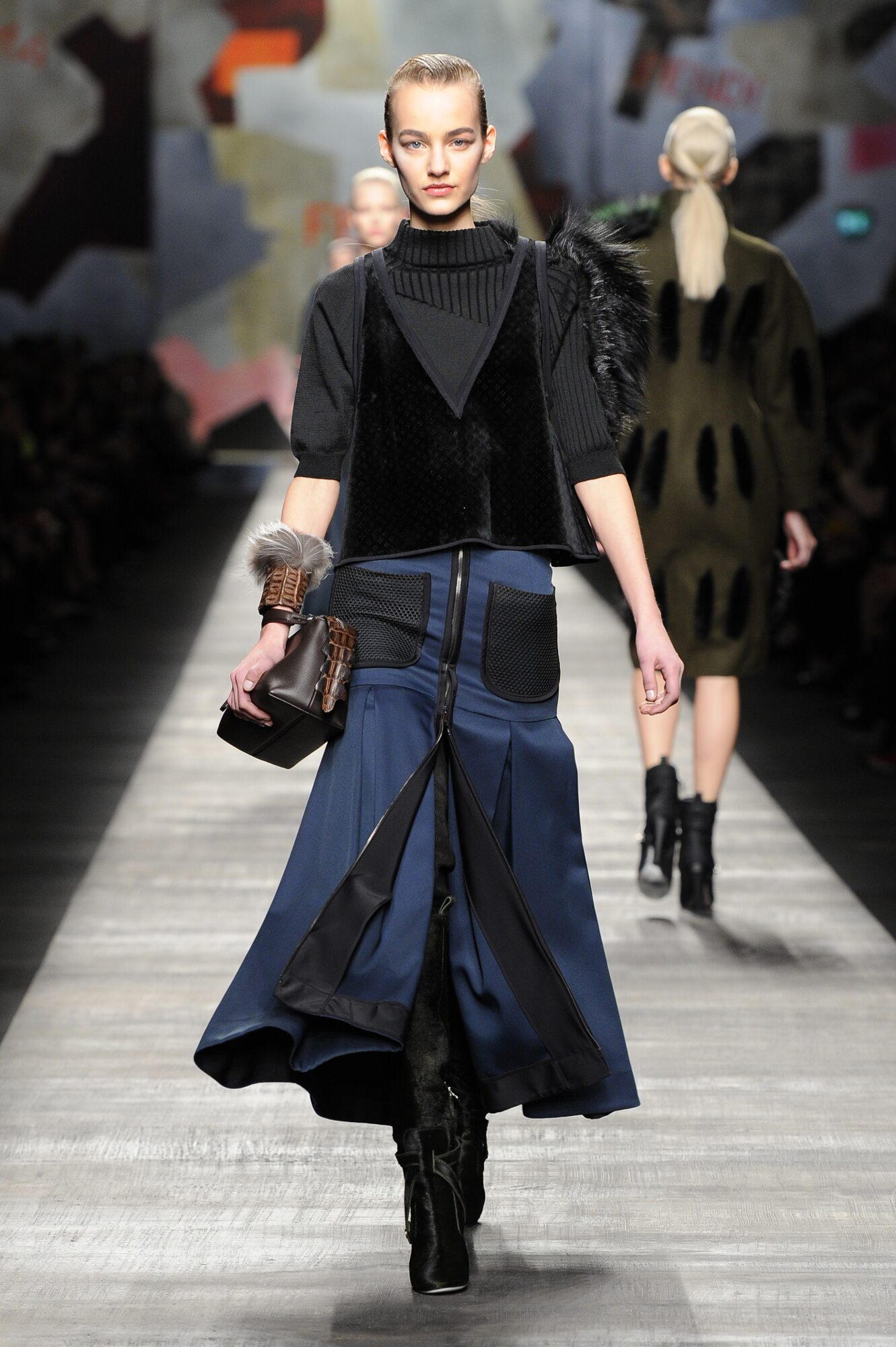 Fall 2014 Women Fashion Show Fendi