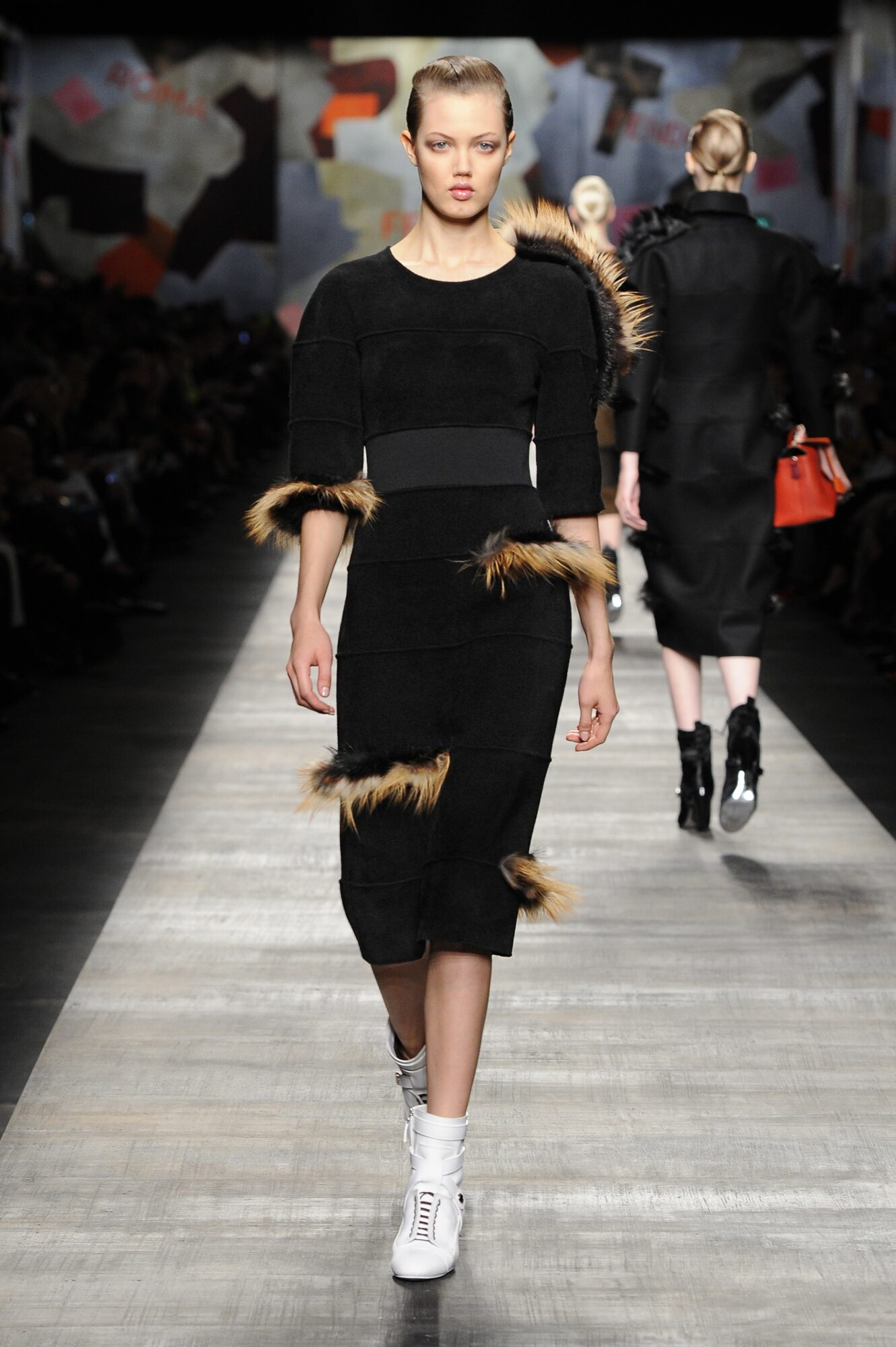 Fall Winter 2014 15 Fashion Women's Collection Fendi