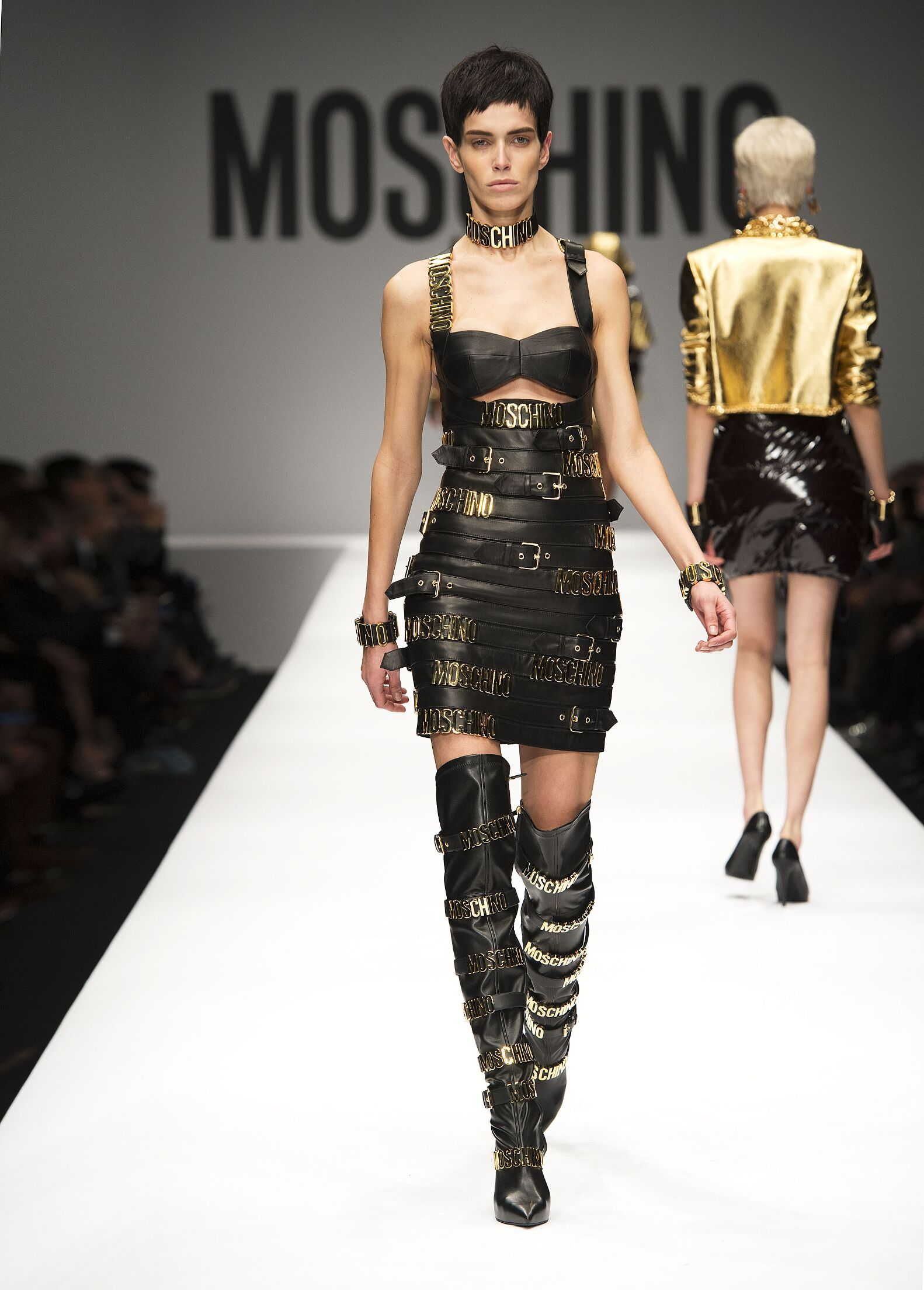 Latest Tops For Girls In Fashion 2014 MOSCHINO FALL WINTER 2...