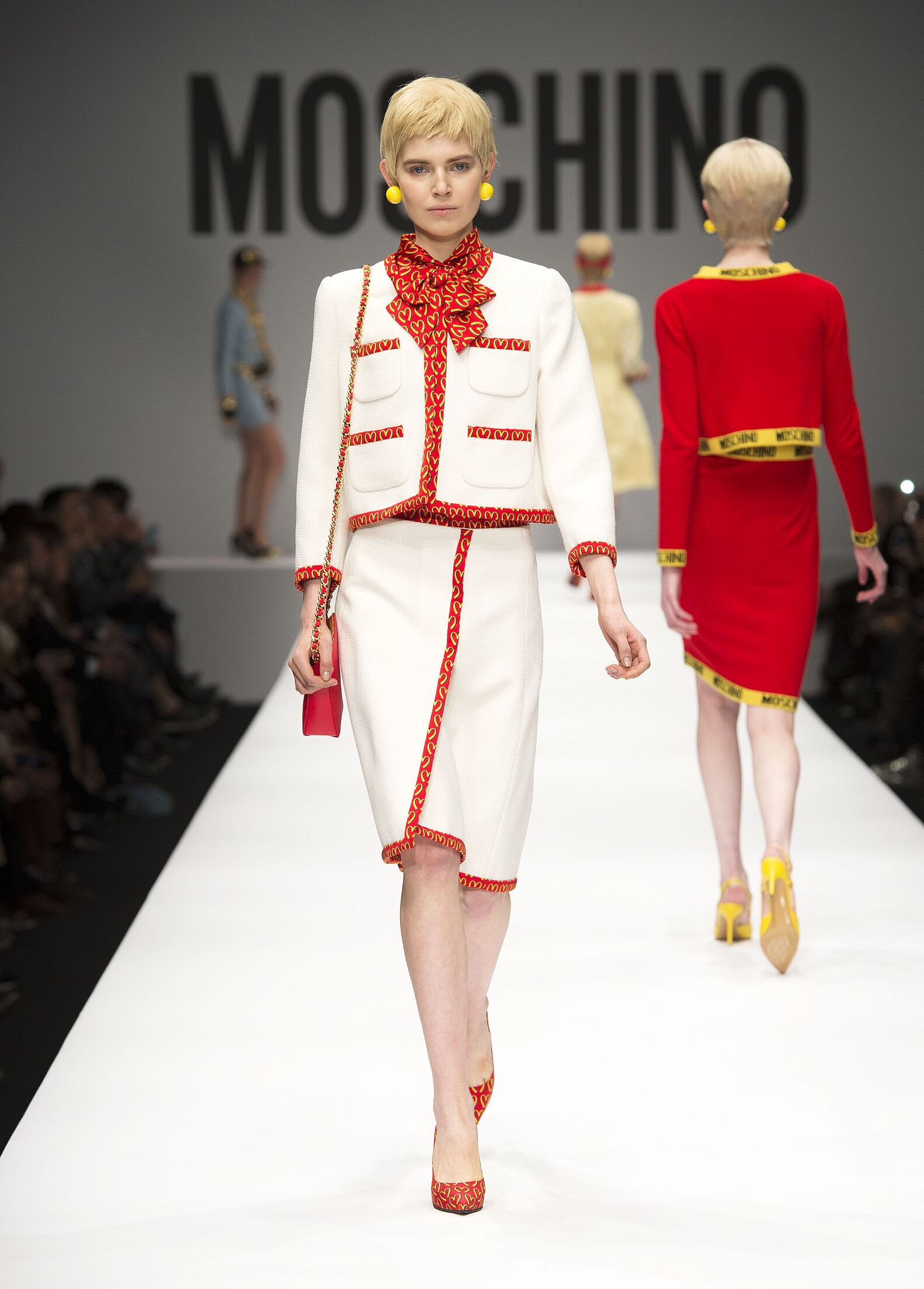 Moschino Fall Winter 2014 15 Womens Collection Milano Fashion Week