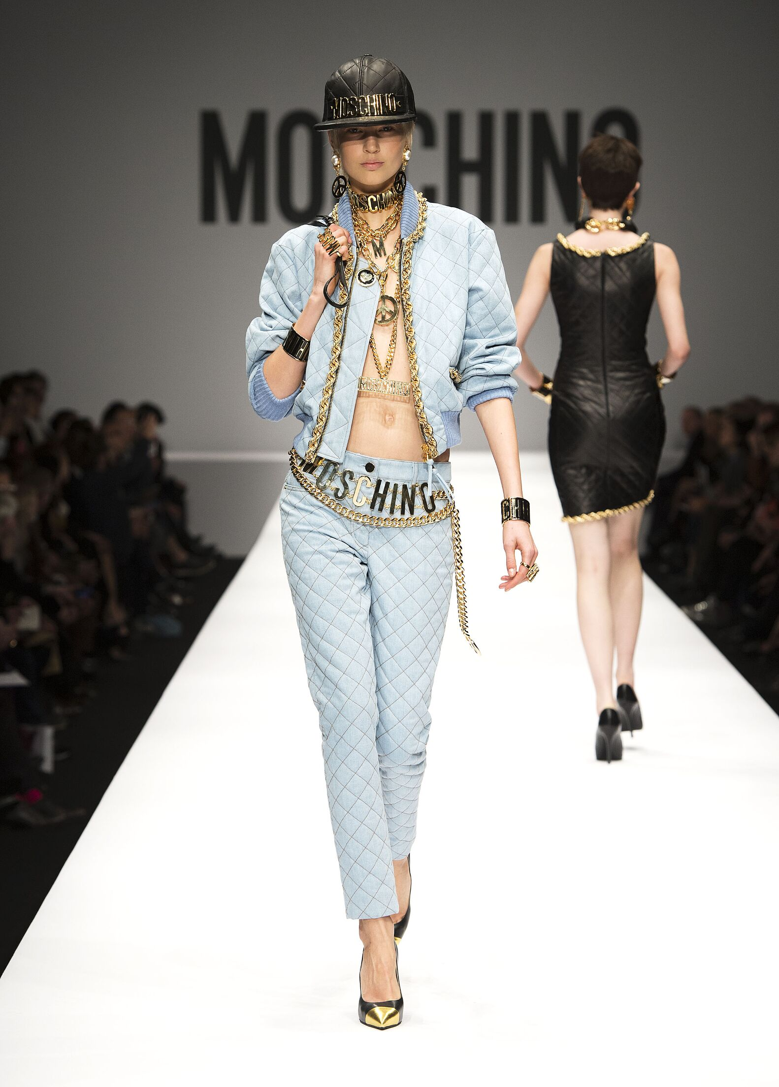 Runway Moschino Fall Winter 2014 15 Women Collection Milan Fashion Week