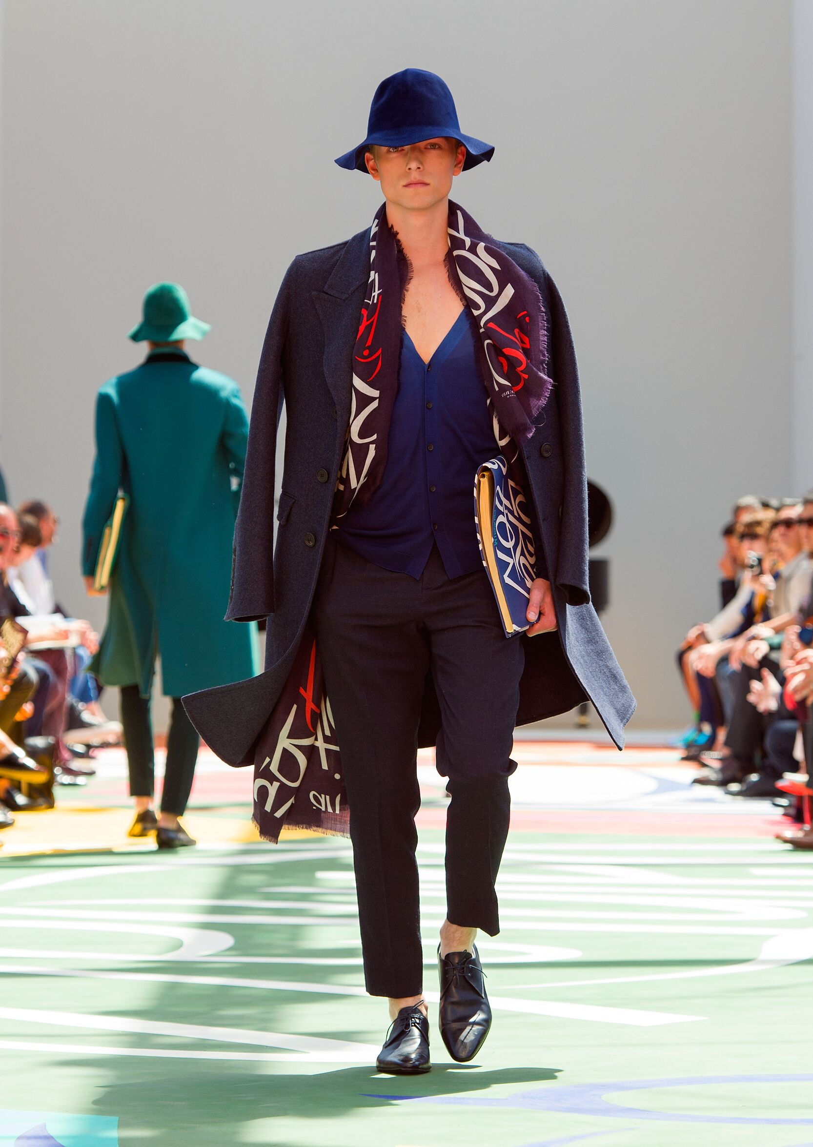 2015 Catwalk Burberry Prorsum Man Fashion Show Summer