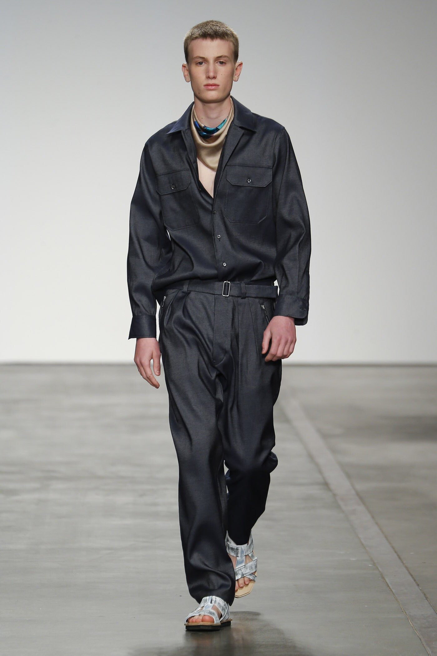 2015 Catwalk Iceberg Man Fashion Show Summer