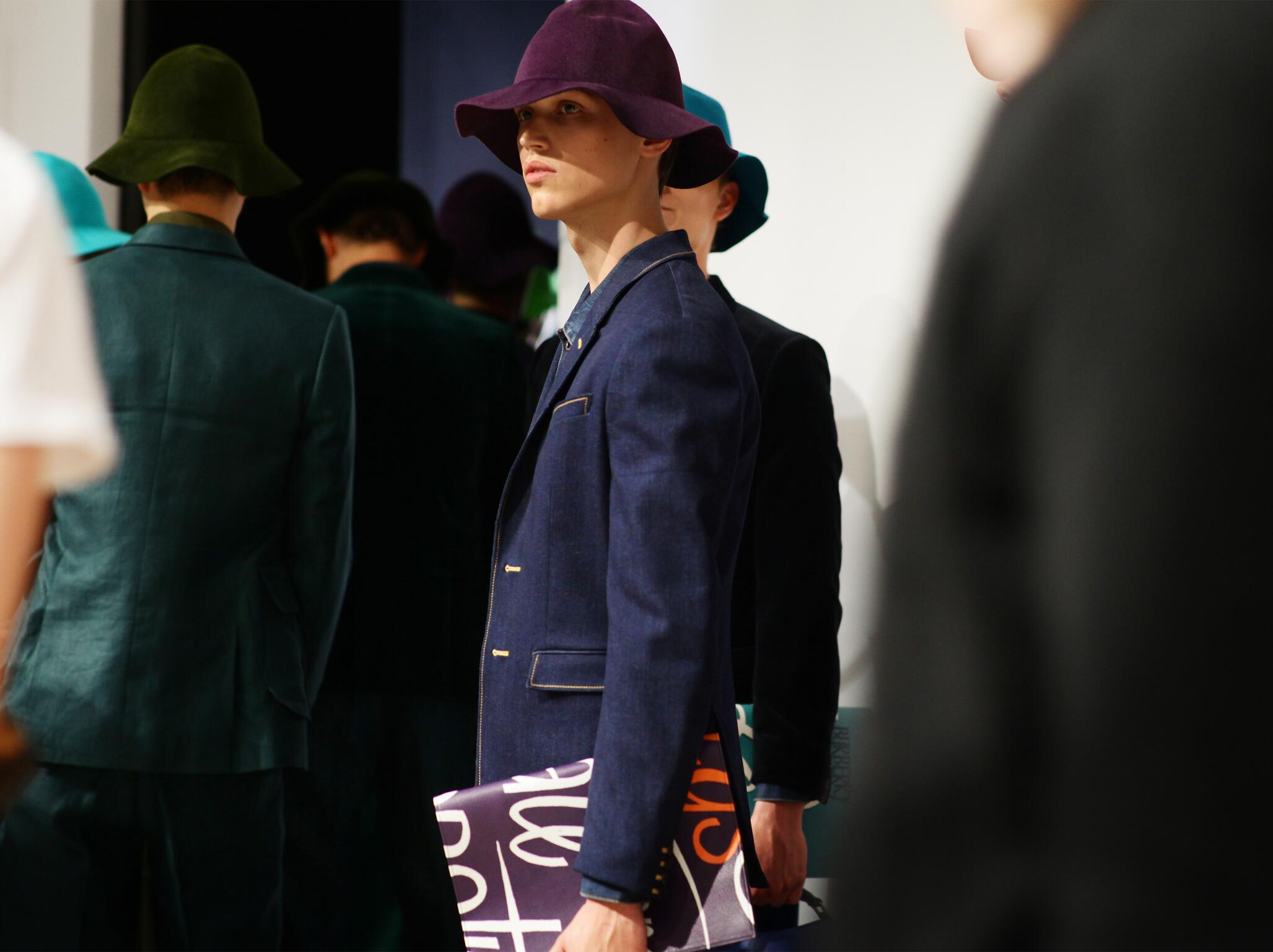 Backstage Burberry Prorsum Man Model