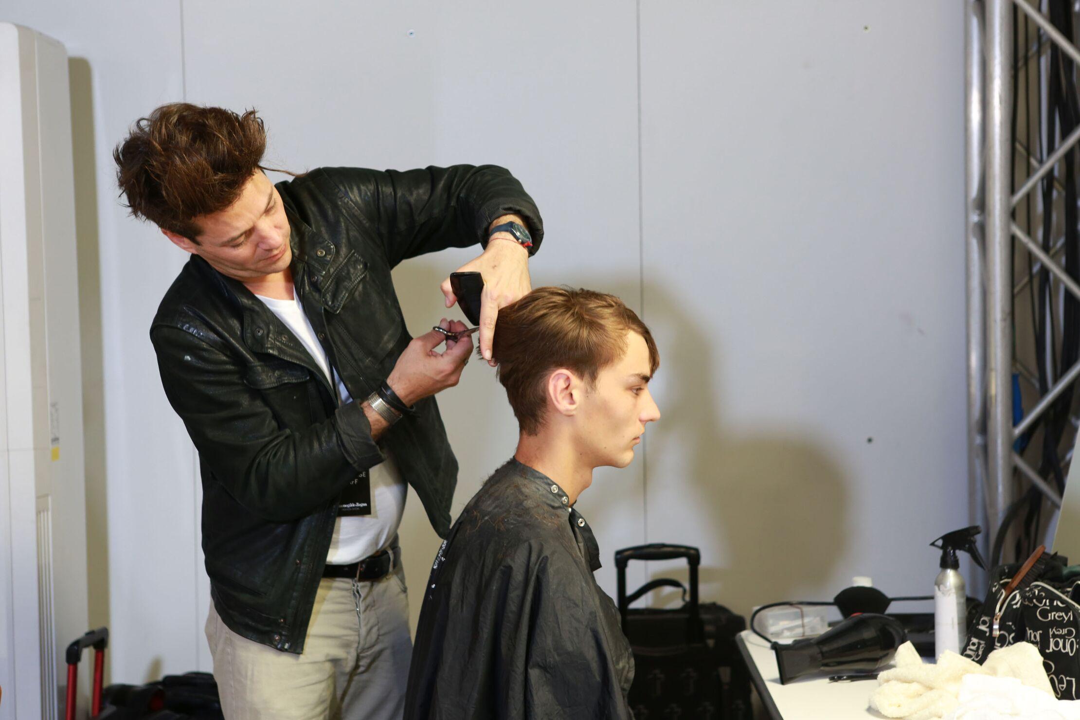 Backstage Ermenegildo Zegna Couture Hair Style