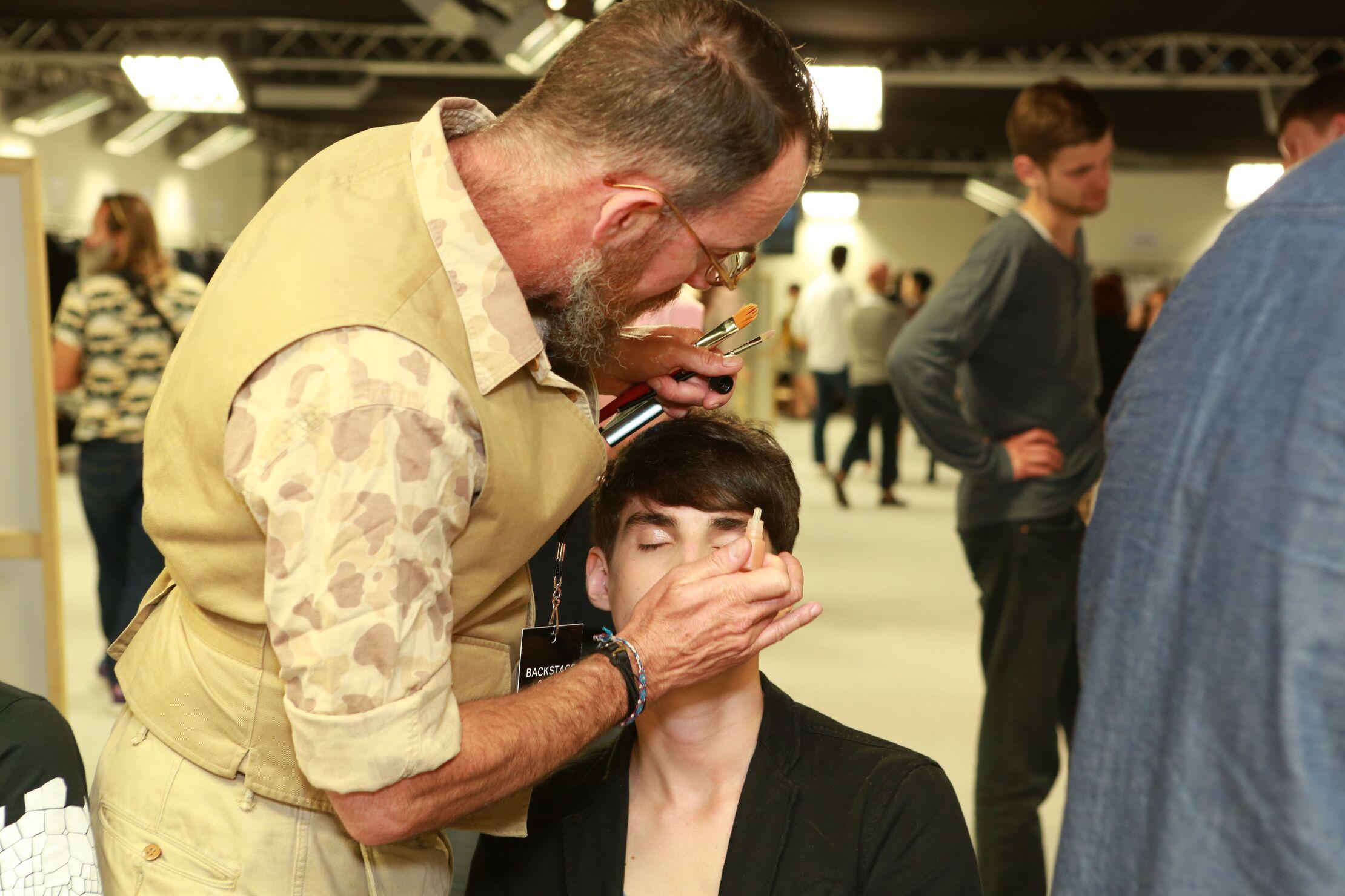Backstage Ermenegildo Zegna Couture Make Up Model