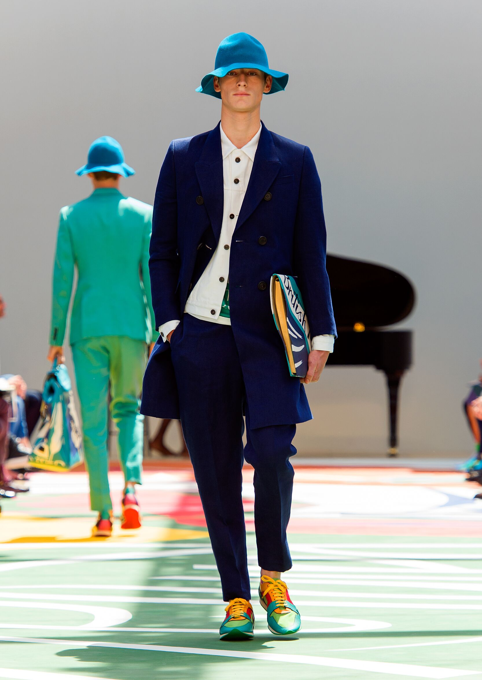 Catwalk Burberry Prorsum Summer 2015