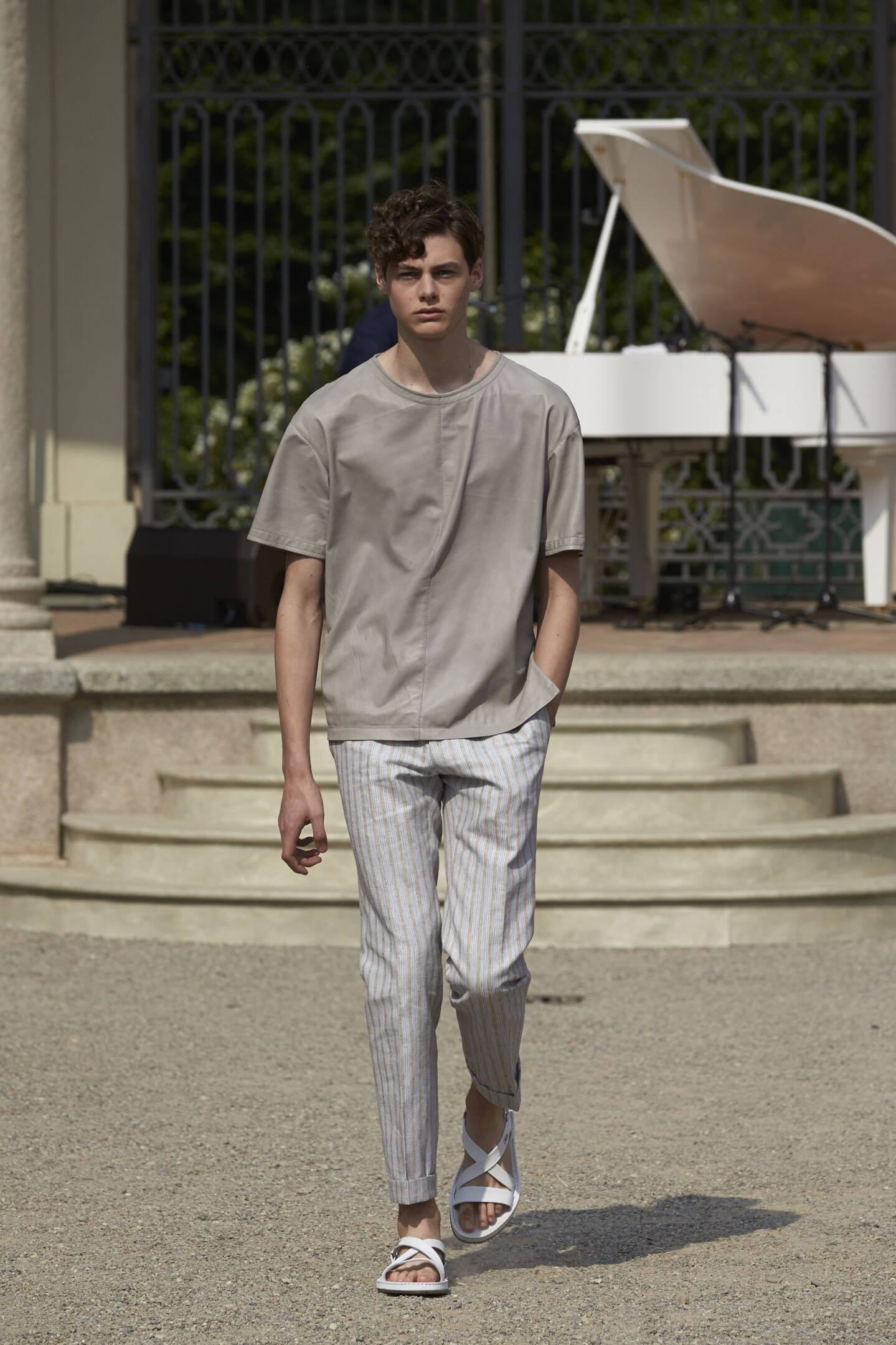 Catwalk Corneliani Man Fashion Show Summer 2015