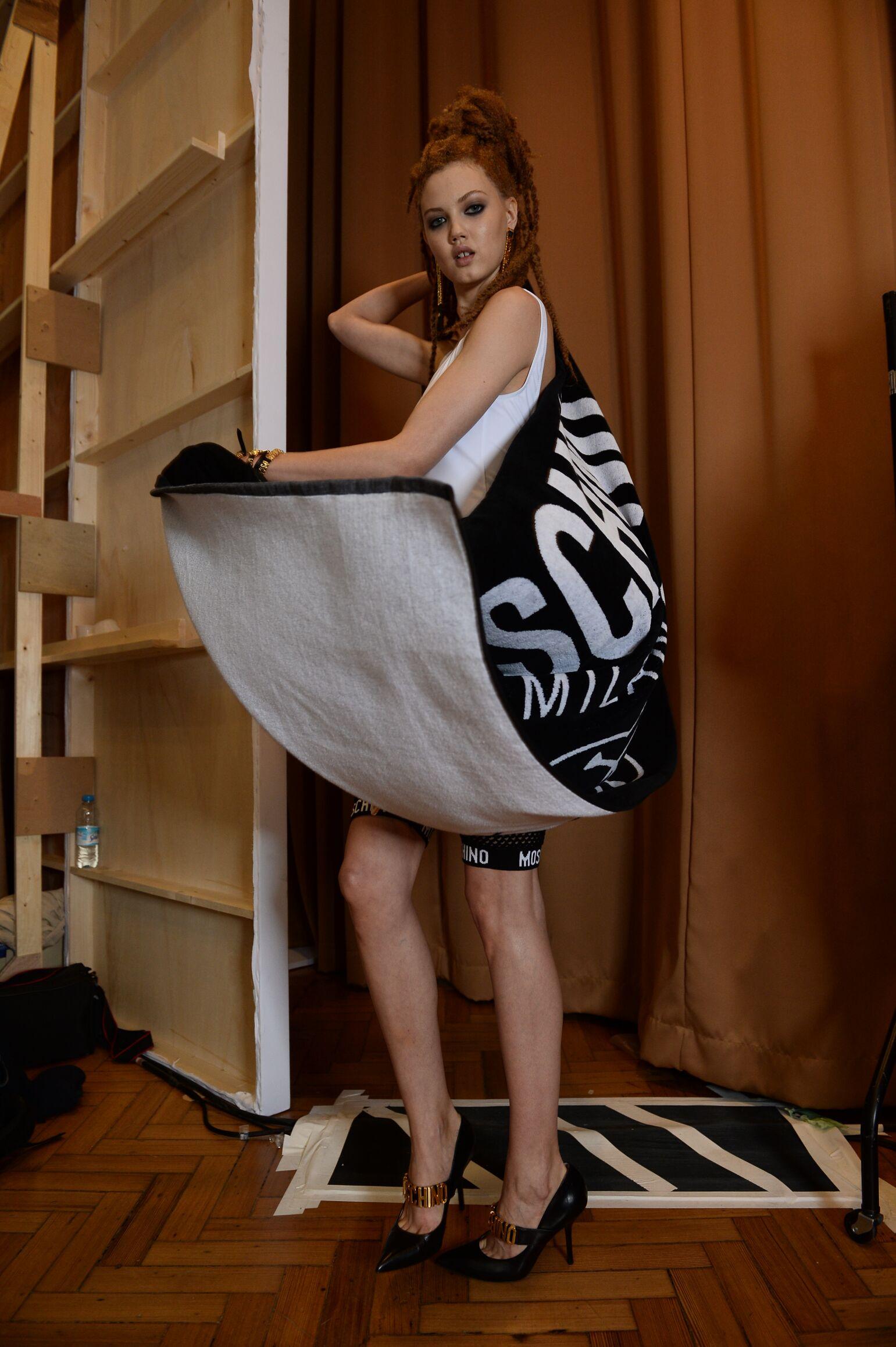 Model Backstage Moschino