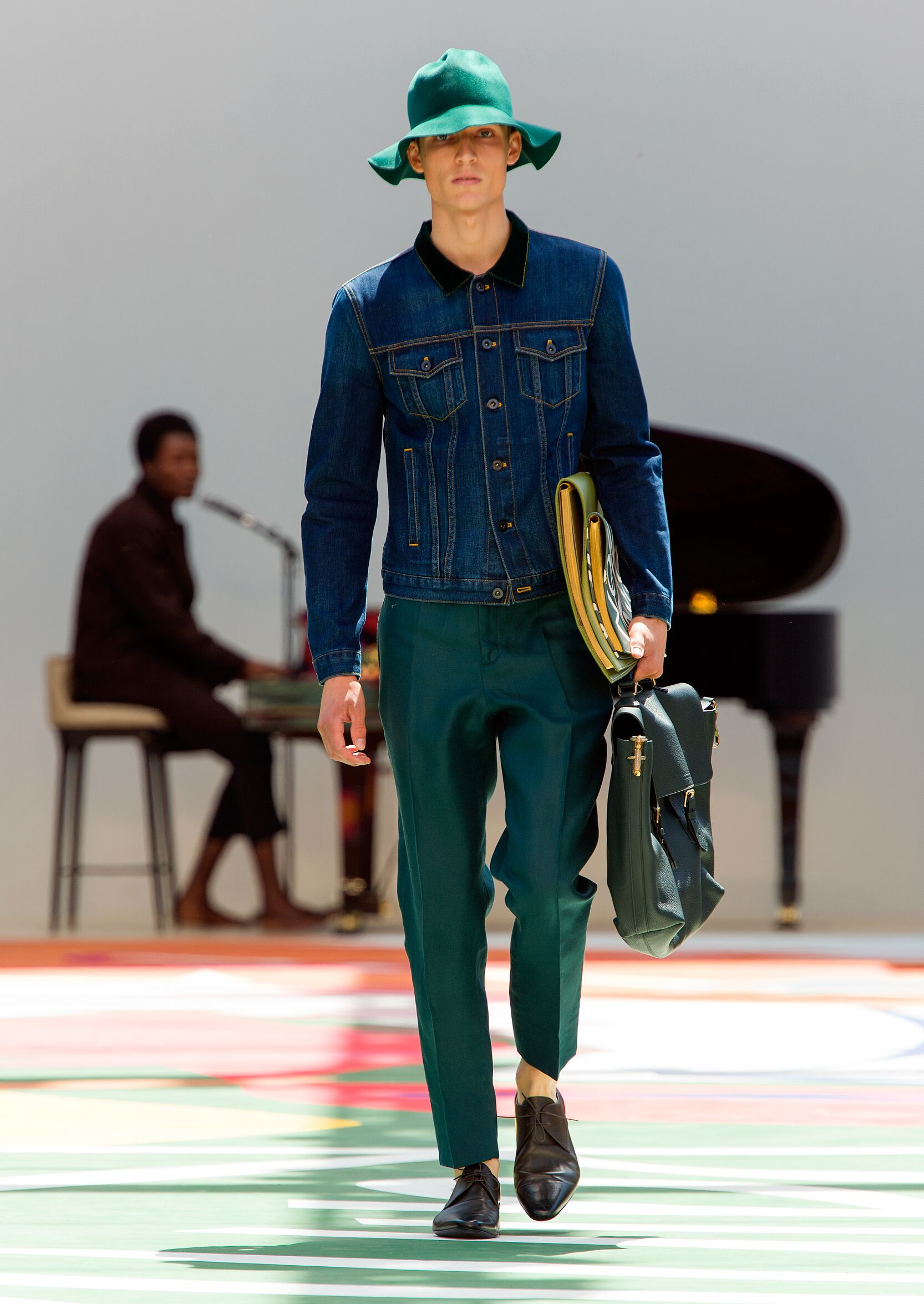 Spring 2015 Man Fashion Show Burberry Prorsum