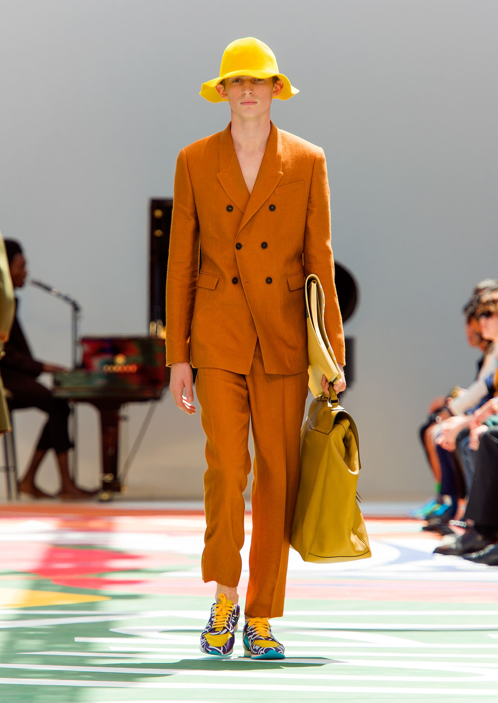 Spring Fashion 2015 Burberry Prorsum