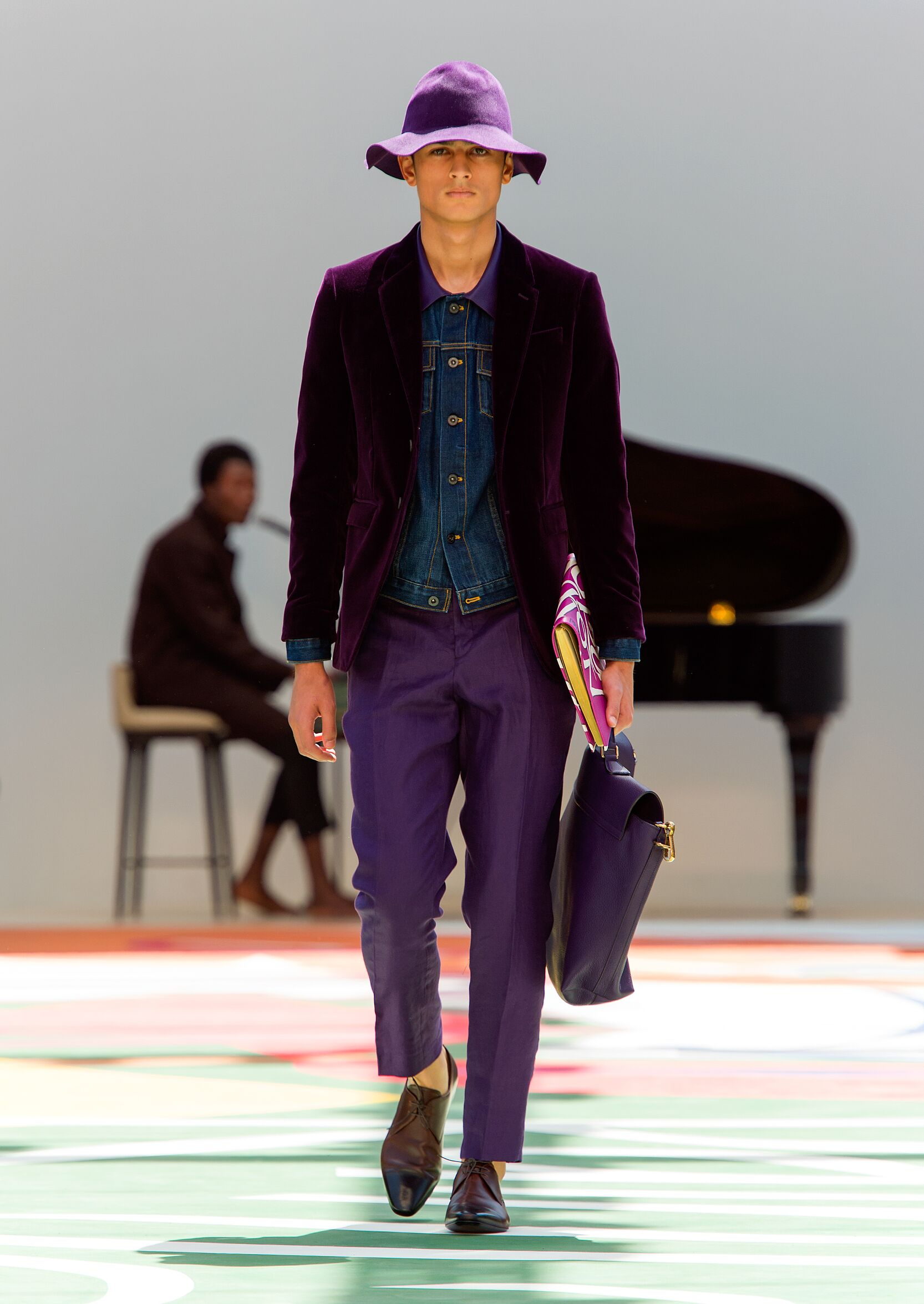 Summer 2015 Fashion Show Burberry Prorsum