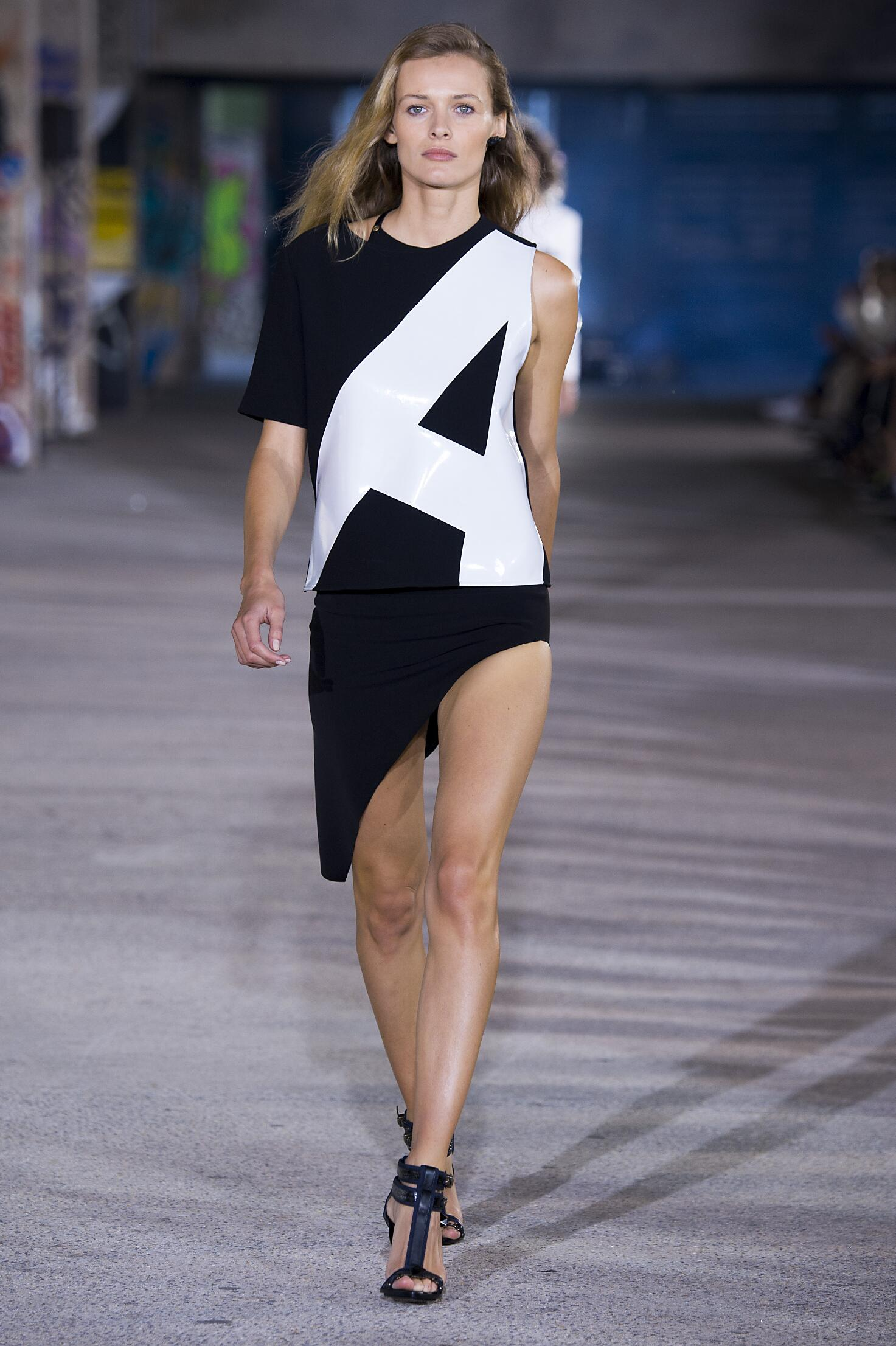2015 Anthony Vaccarello Summer Catwalk