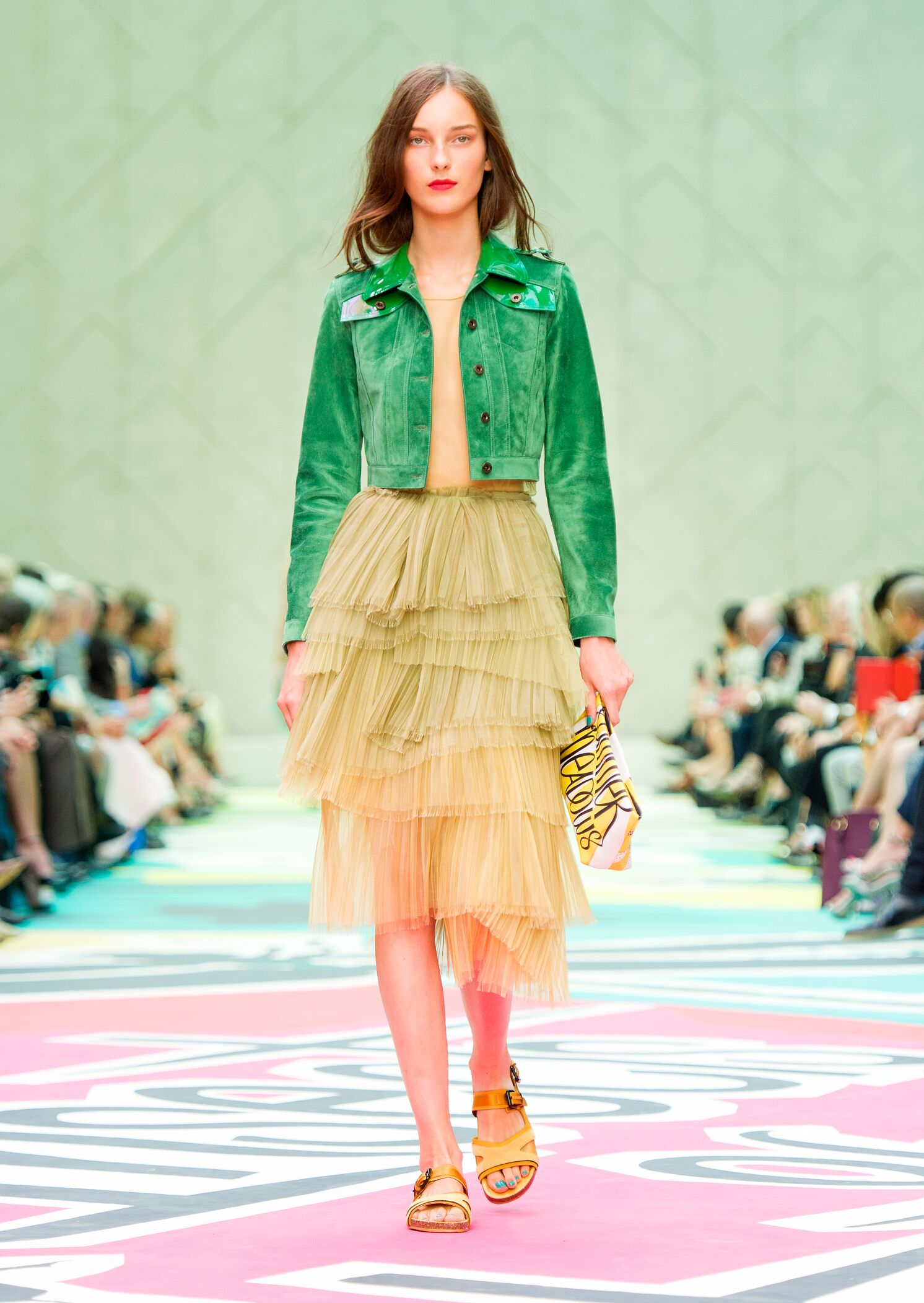 2015 Burberry Prorsum Summer Runway