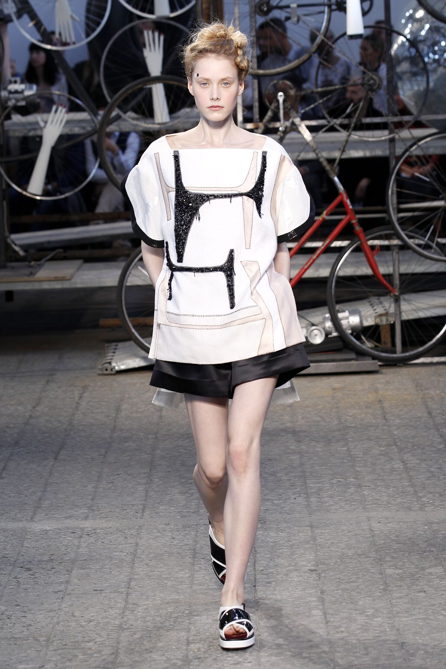 2015 Catwalk Antonio Marras Woman Fashion Show Summer