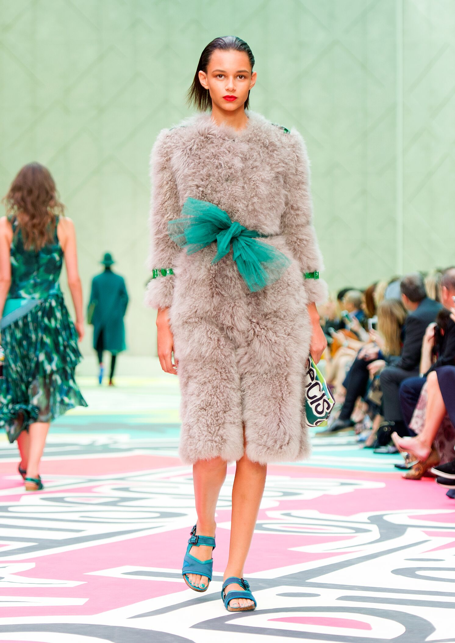 2015 Catwalk Burberry Prorsum Woman Fashion Show Summer