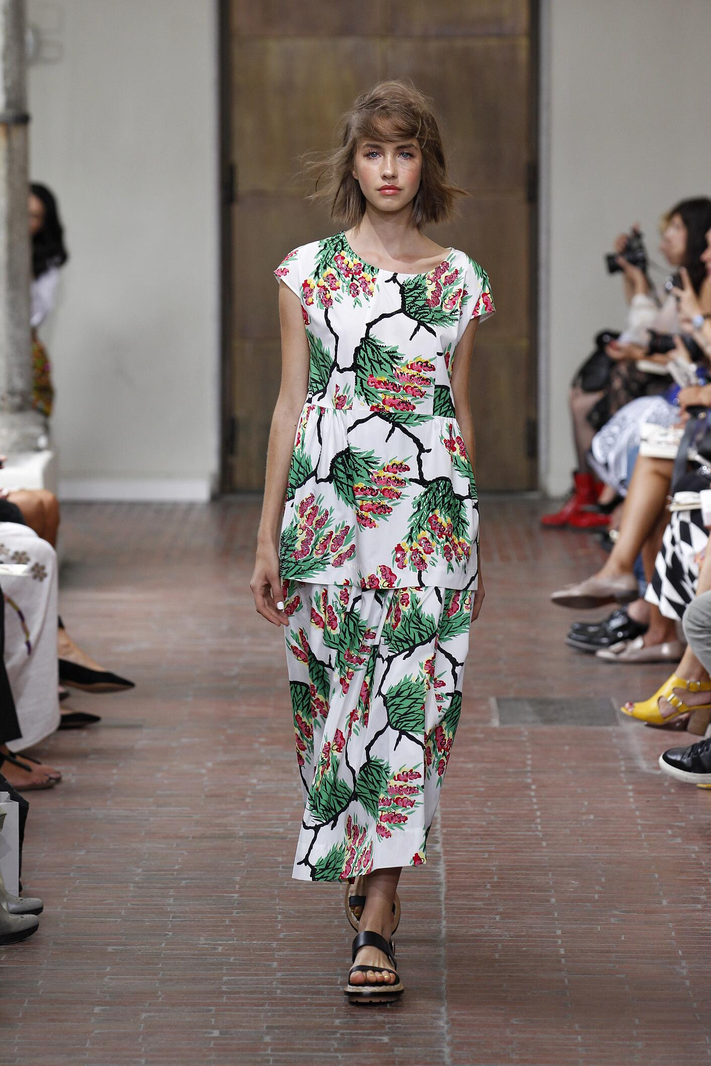 2015 Catwalk I'm Isola Marras Summer