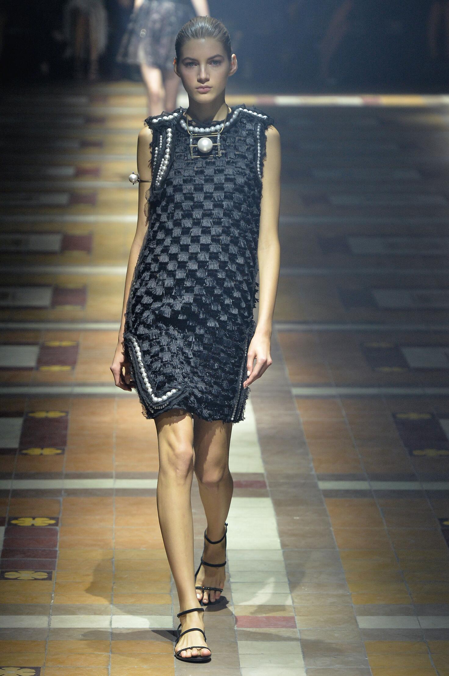 2015 Catwalk Lanvin Woman Fashion Show Summer