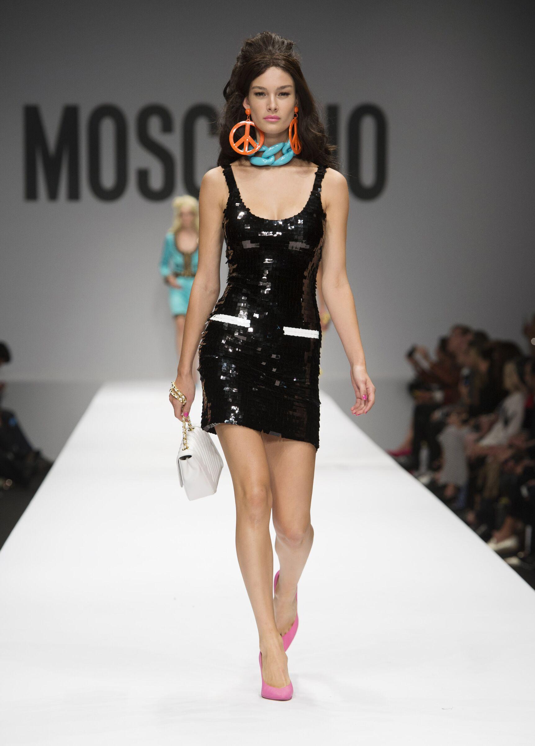 2015 Catwalk Moschino Summer