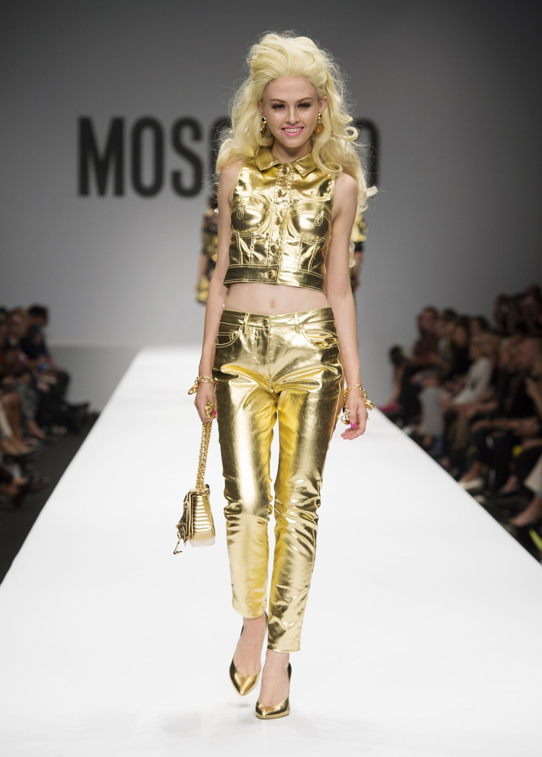 2015 Catwalk Moschino Woman Fashion Show Summer