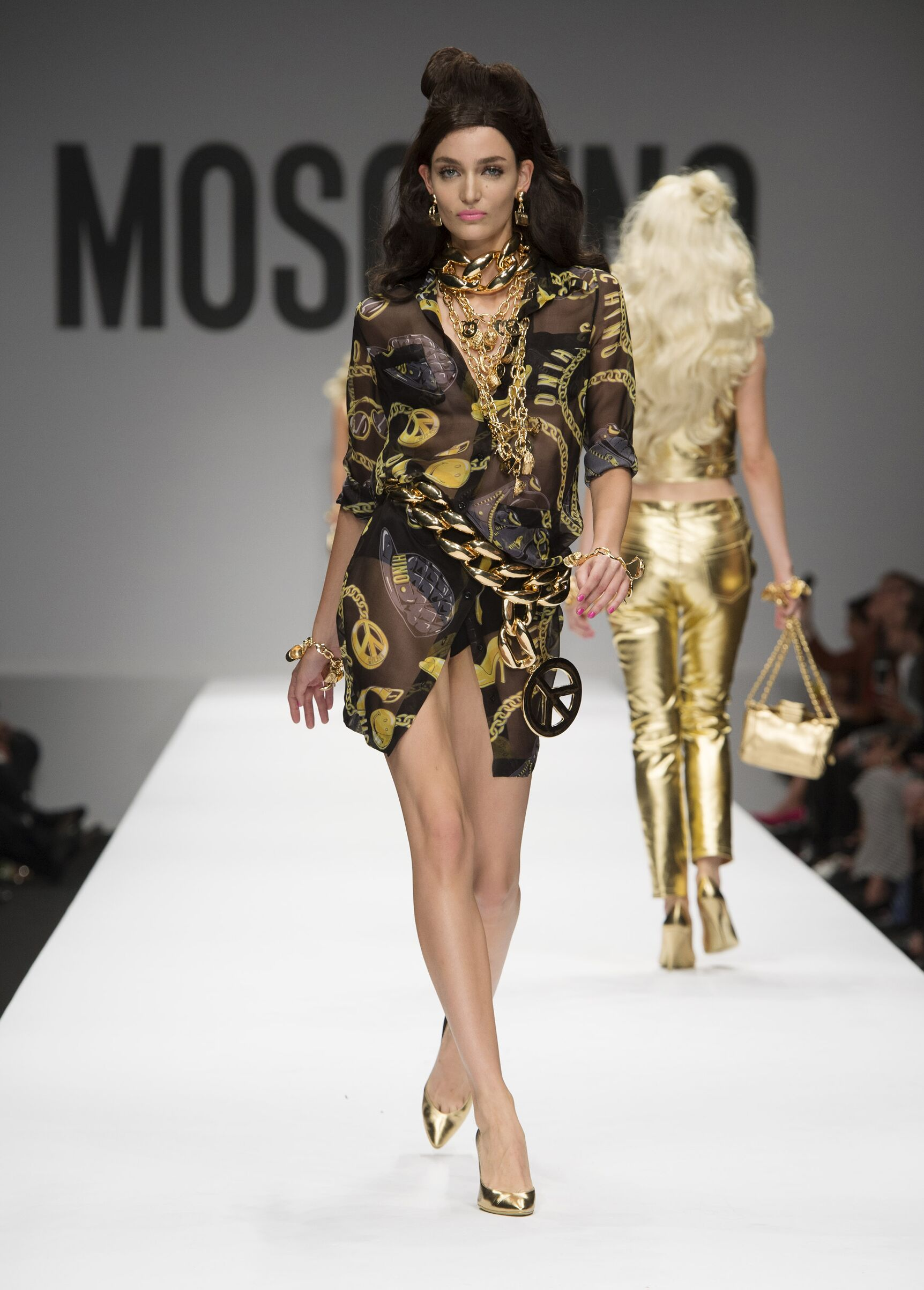 2015 Moschino Summer Catwalk