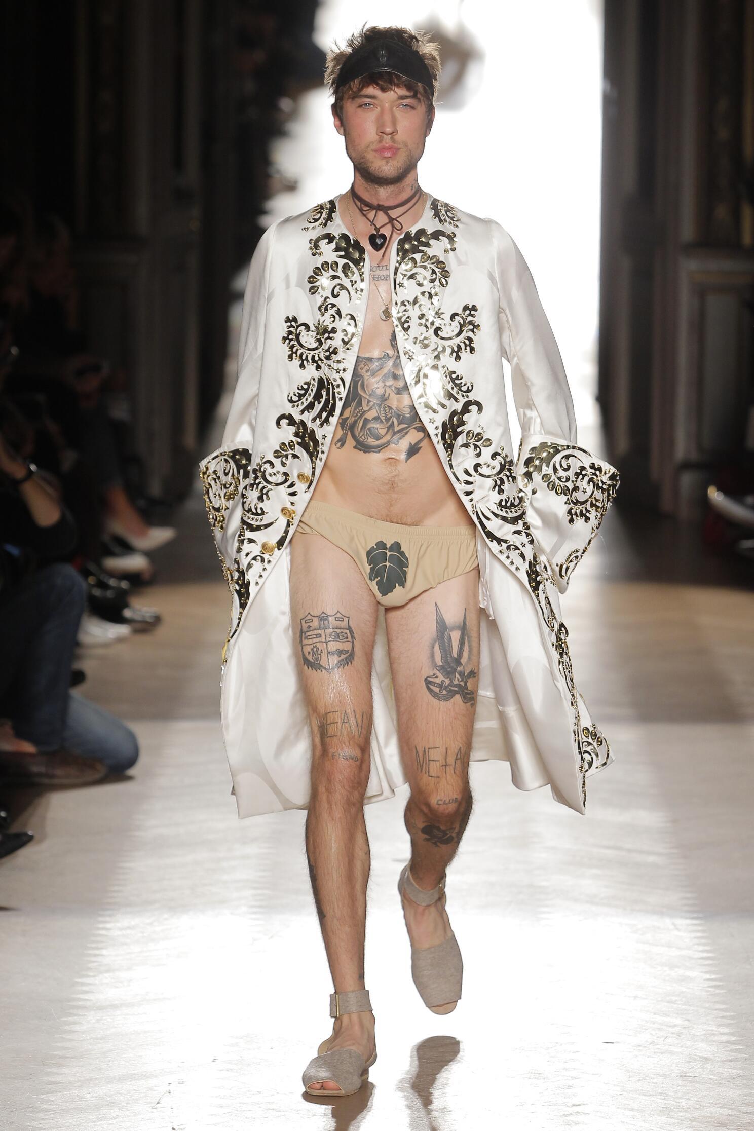 2015 Runway Vivienne Westwood Gold Label Man Fashion Show Summer