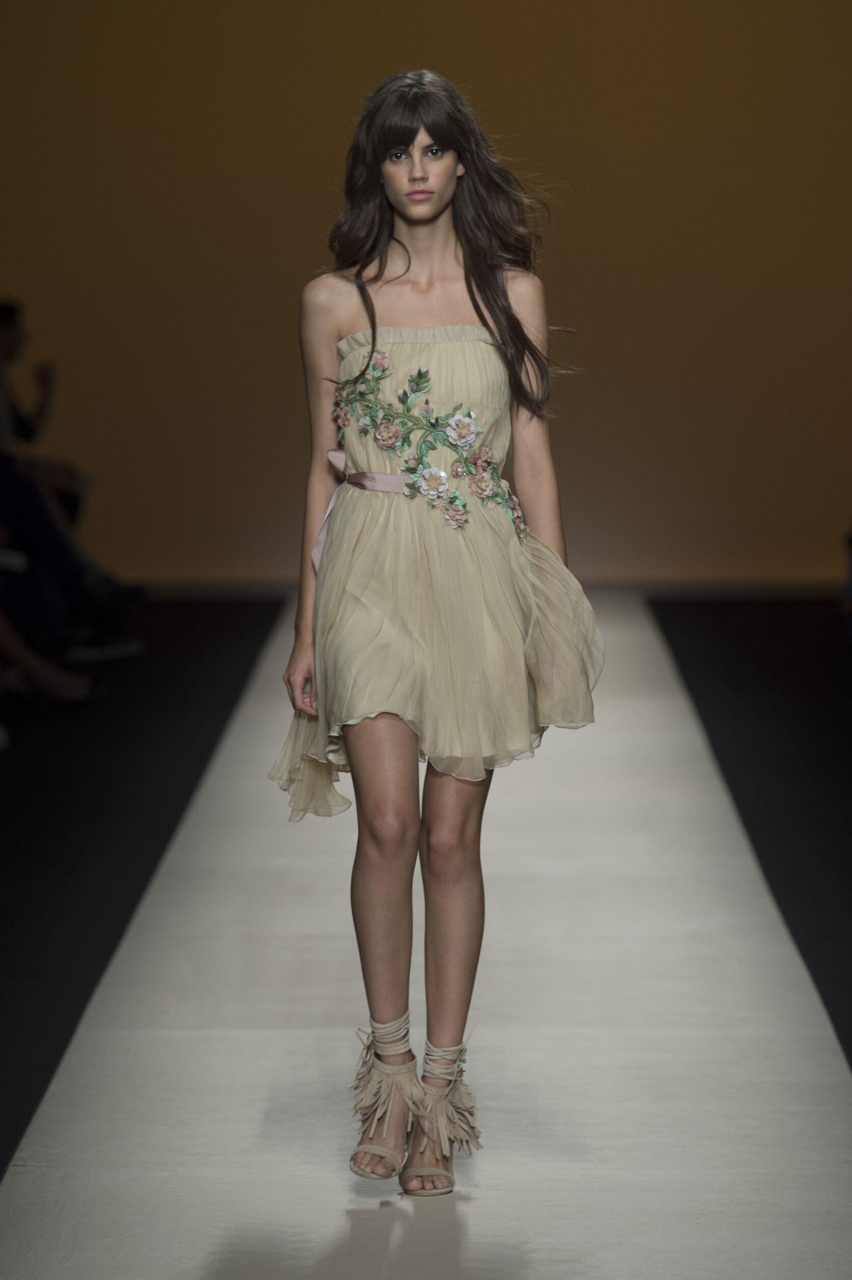2015 Woman Style Alberta Ferretti