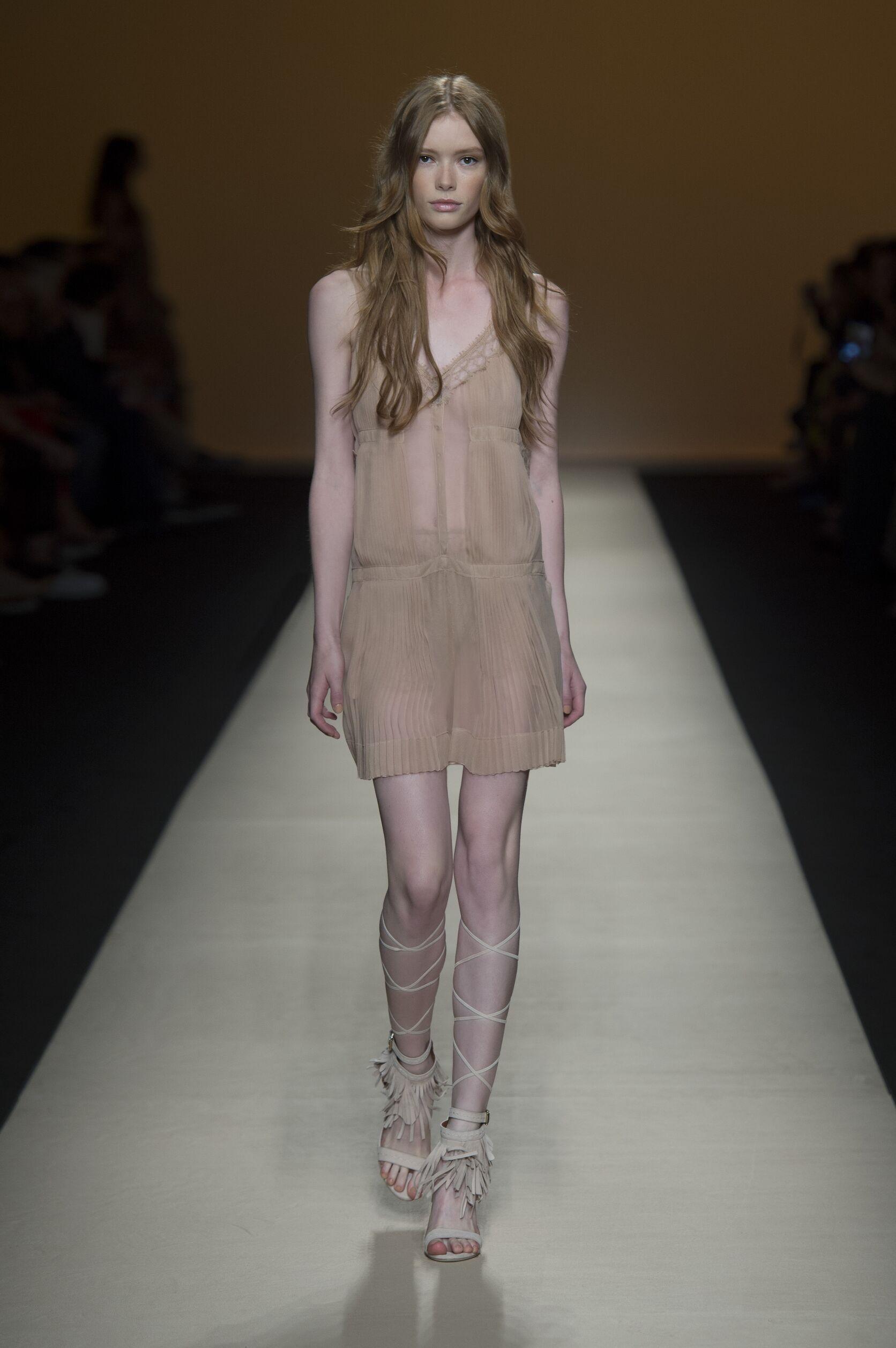 Alberta Ferretti Catwalk