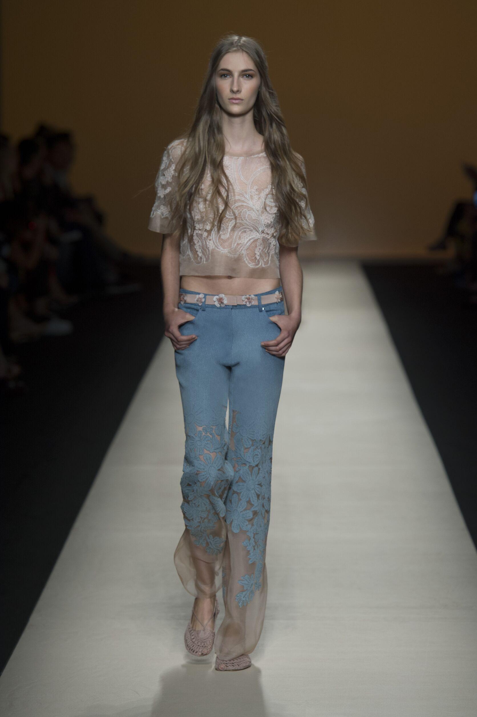 Alberta Ferretti SS 2015 Womenswear