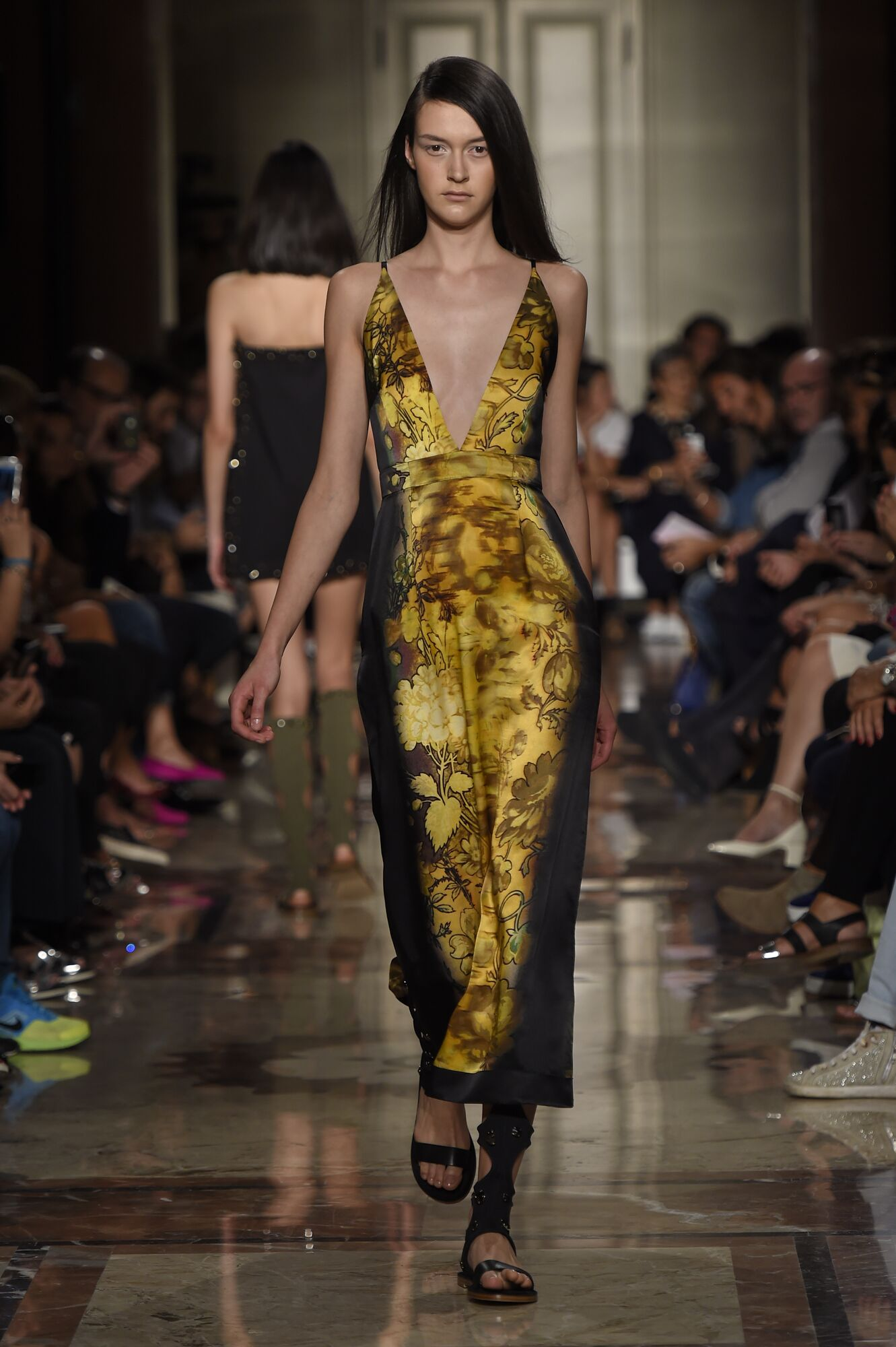 Catwalk Andrea Incontri Woman Fashion Show Summer 2015