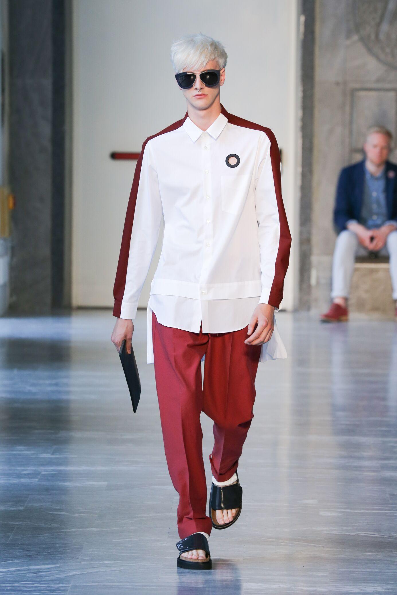 Catwalk Andrea Pompilio Man Fashion Show Summer 2015