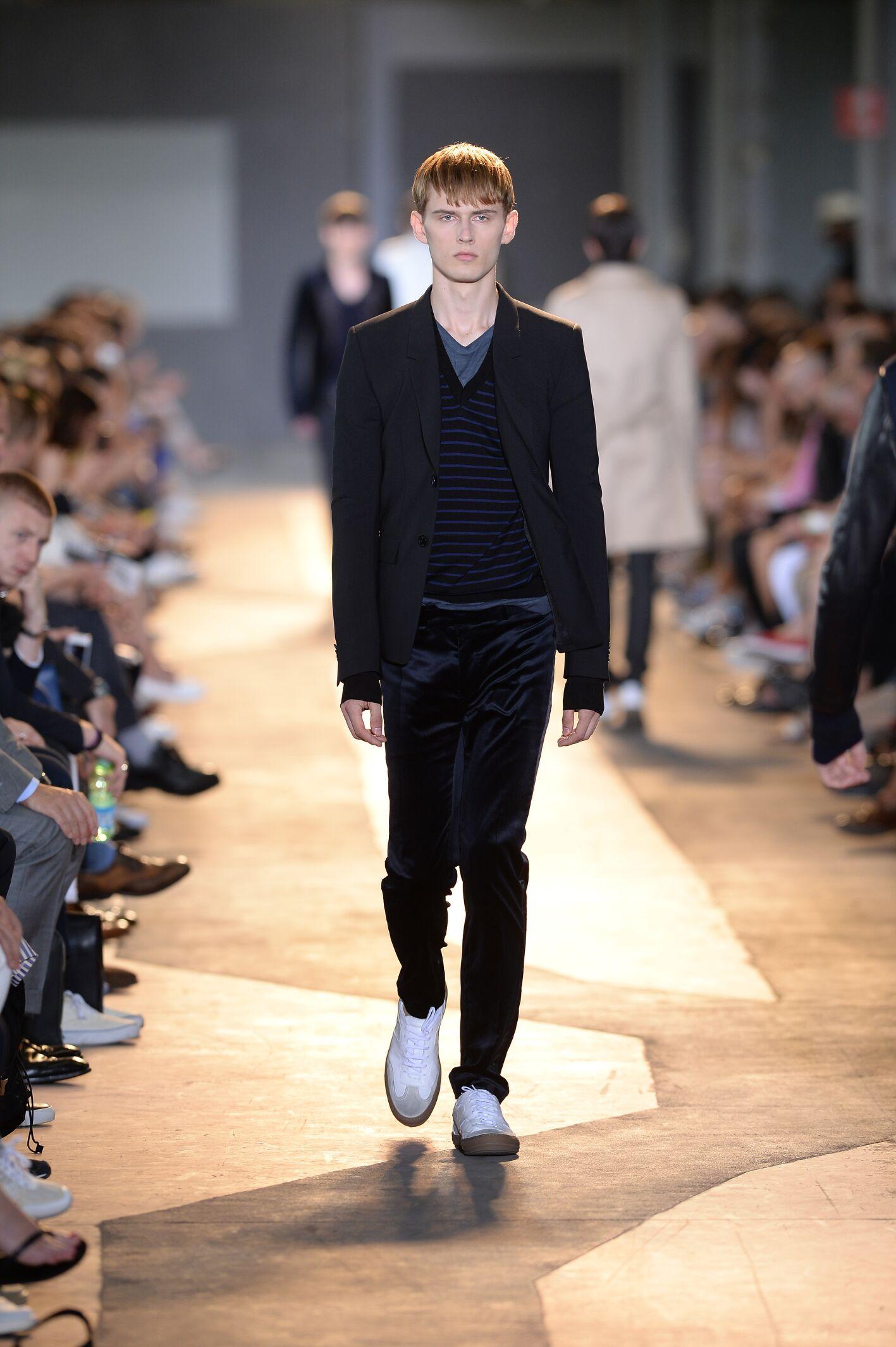 Catwalk Diesel Black Gold Man Fashion Show Summer 2015